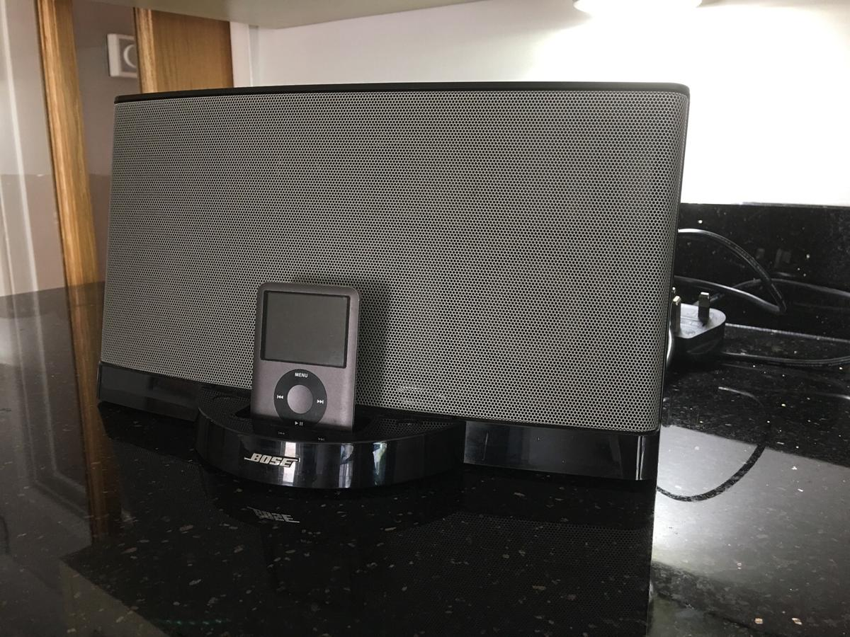 BOSE SoundDock Series 2 and 8gb IPod in CH3 Waverton for