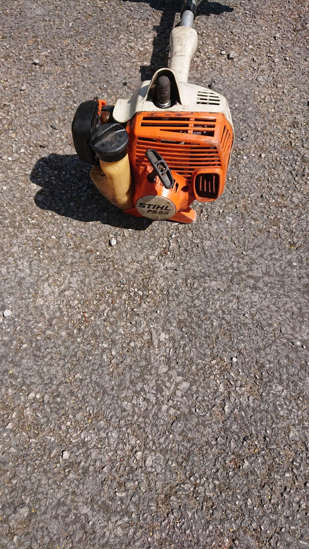 stihl petrol strimmer 2 stroke in M40 Oldham for £60 00 for