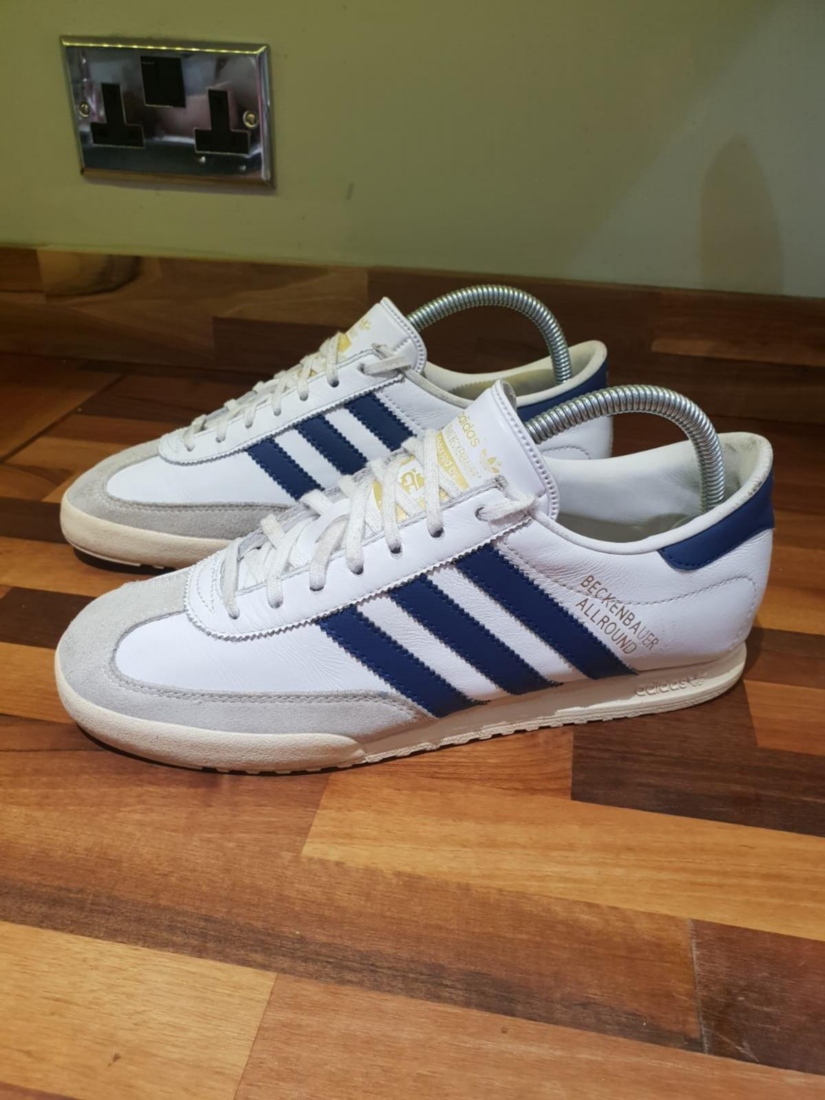 White Adidas trainers infant size 7 in Ashfield for £12.00