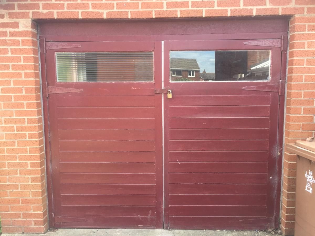 Wooden Garage Doors In Pr5 Ribble For 100 00 For Sale Shpock