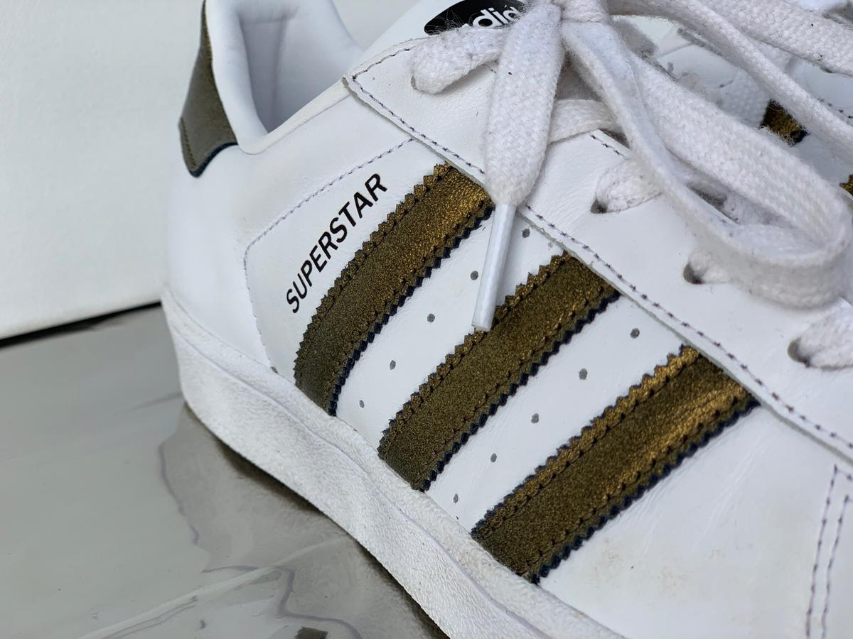 Adidas Superstars in 31855 Aerzen for €45.00 for sale | Shpock