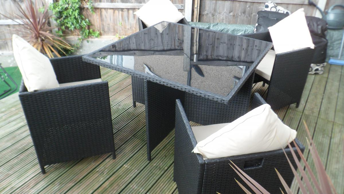 Argos Cube 4 Seater Rattan Effect Patio Set In Se18 Royal Borough Of Greenwich For 150 00 For Sale Shpock