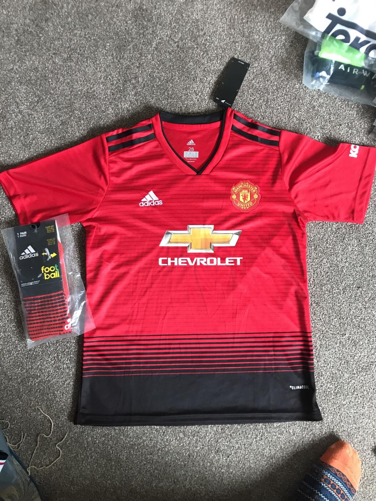 wholesale dealer bd9c1 52dbc Manchester United home shirt 2018 2019