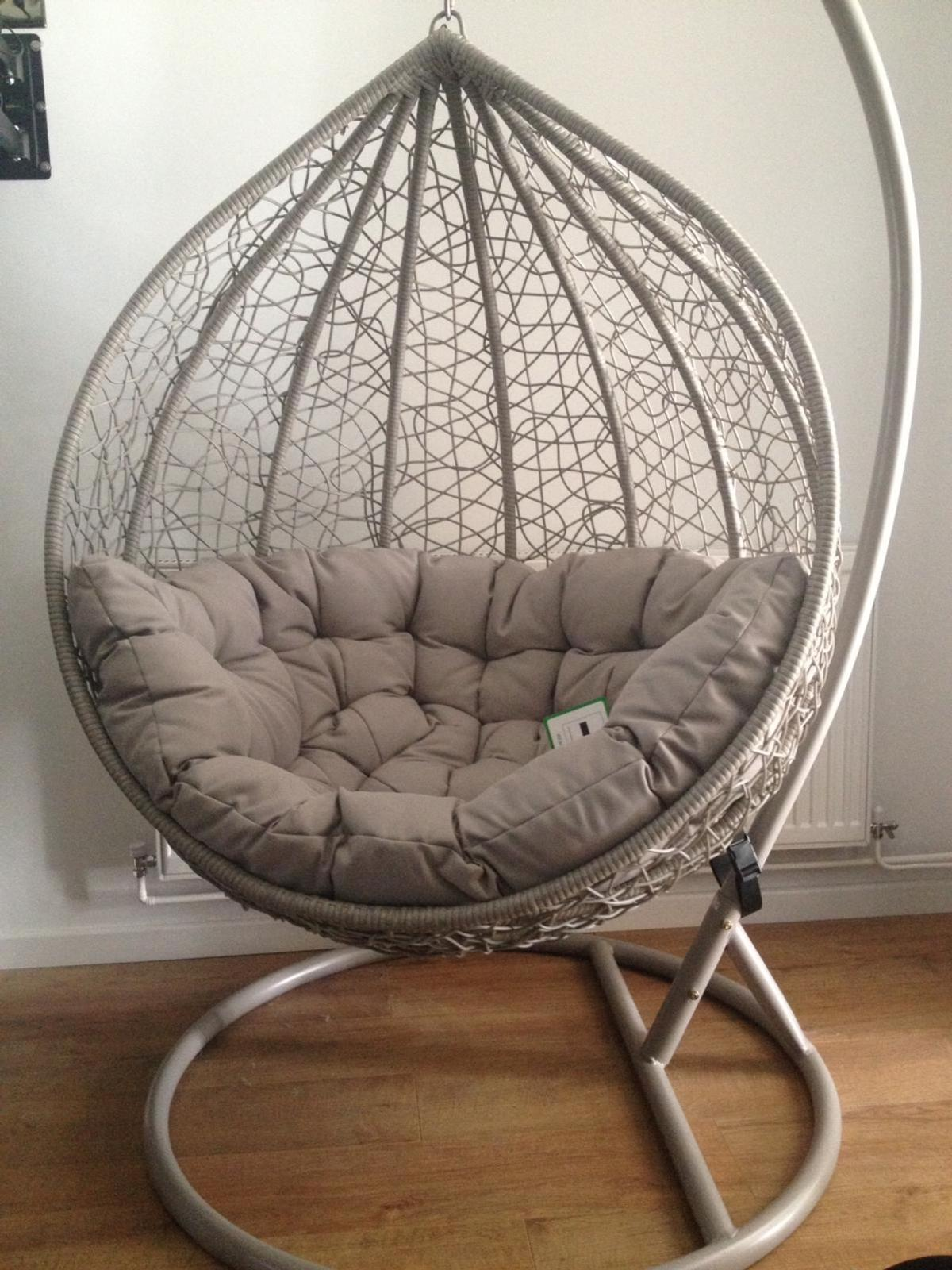 Grey Hanging Egg Chair In Dy4 Sandwell For 100 00 For Sale Shpock