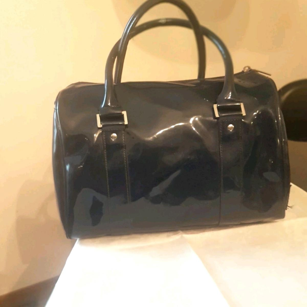 0a4325d3f9 Borsa bauletto Armani vernice in 20133 Milano for €55.00 for sale ...