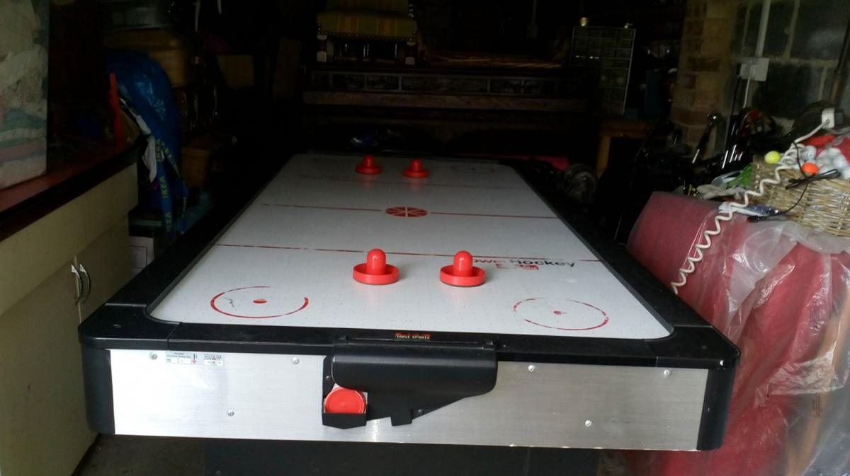 Air Hockey Table In Mole Valley For 30 00 For Sale Shpock