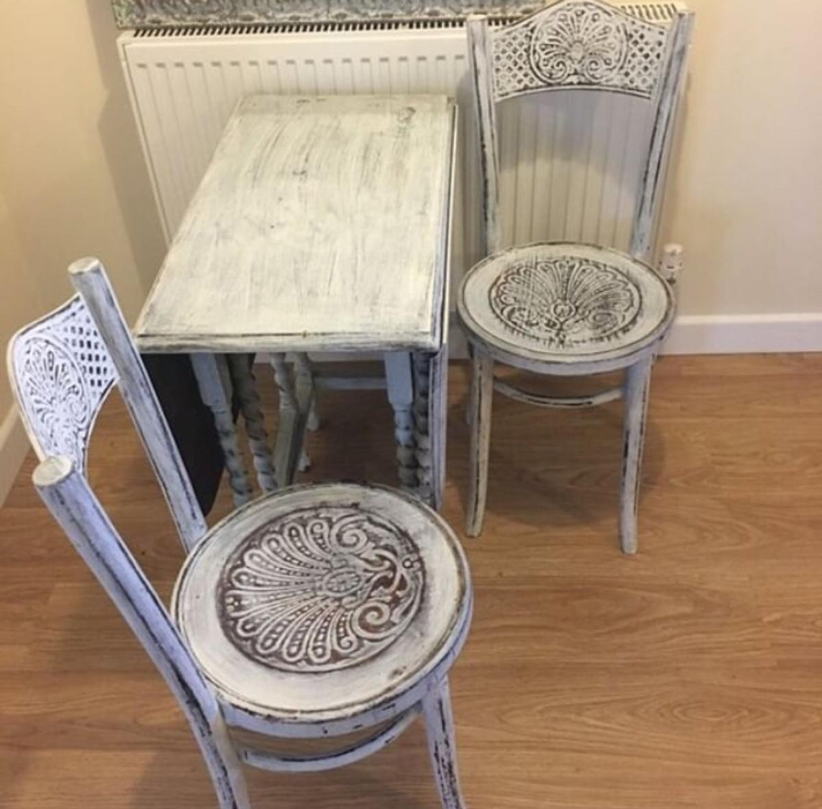 Vintage Shabby Chic Dining Table And 2 Chairs In St17 Stafford For 90 00 For Sale Shpock