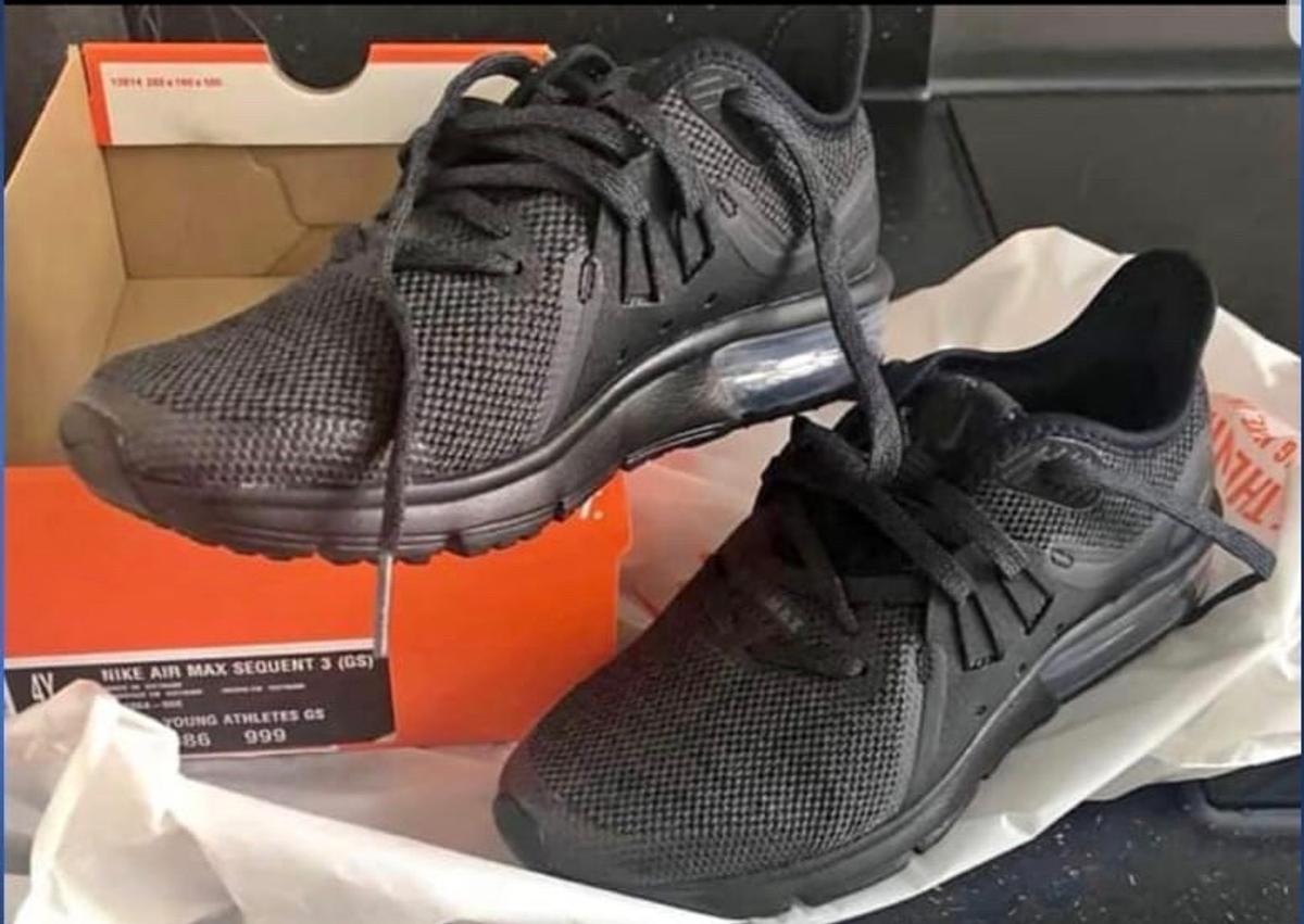Nike air max sequent 3 (GS) size 3:5 in ST1 Trent für £ 20