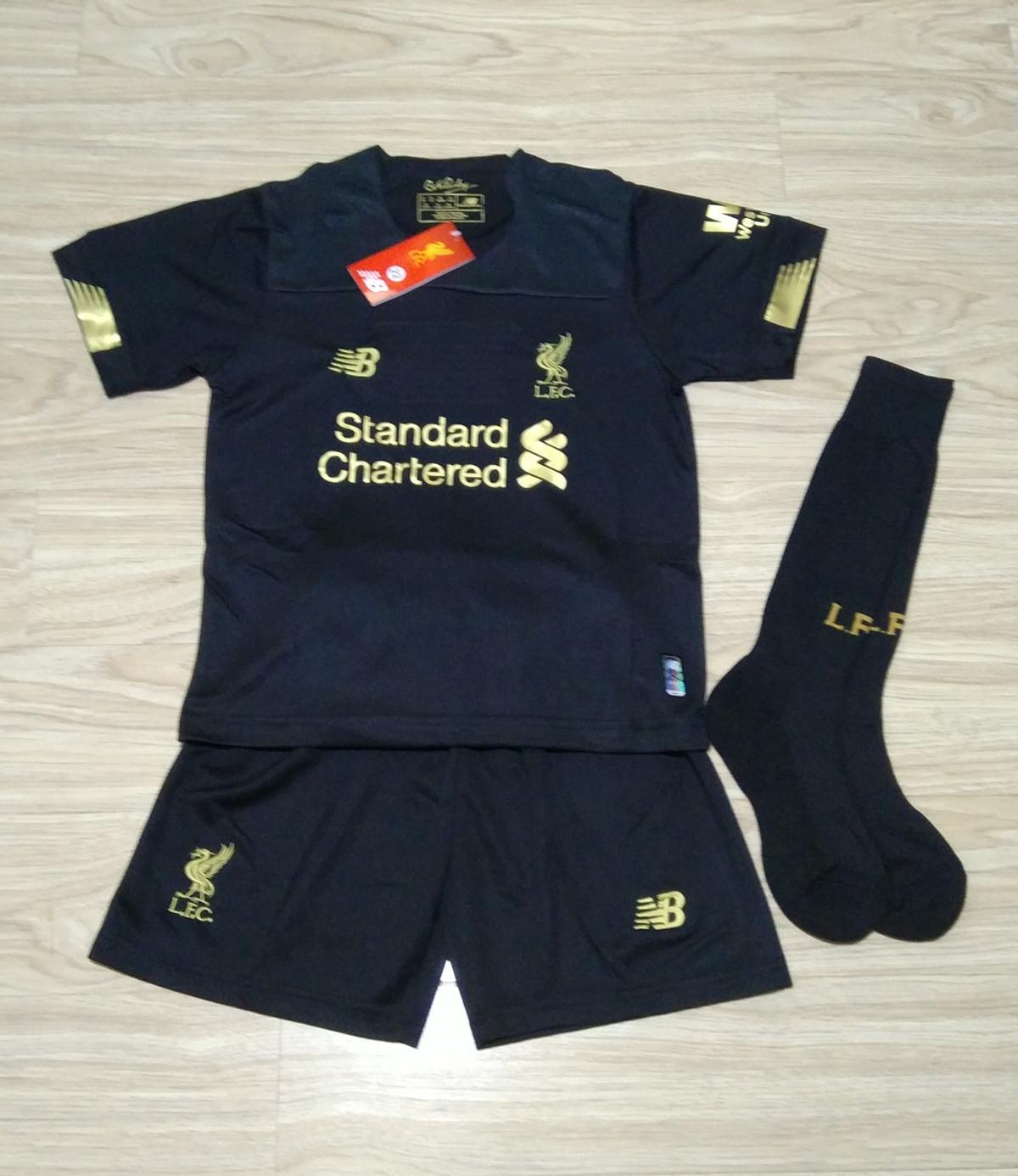 online retailer 57e2d c4c96 Liverpool Kids Goalkeeper Football Kit in L1 5BY 利物浦 for ...