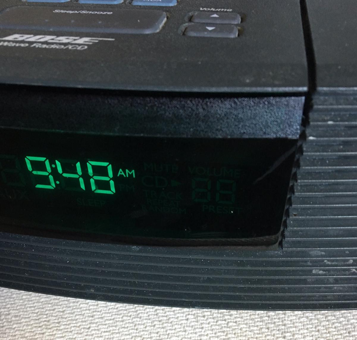 Bose wave radio/CD player with iPod conn kit in NN4
