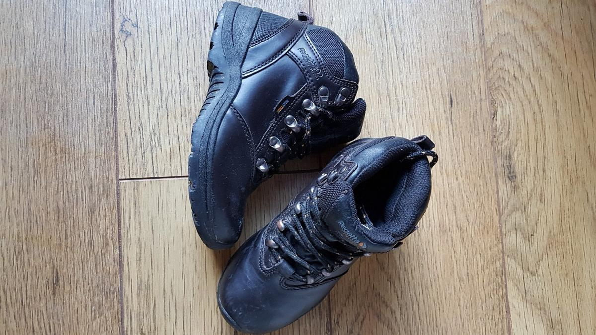 size J12 Ghyllbeck Jnr. In good condition hardly worn