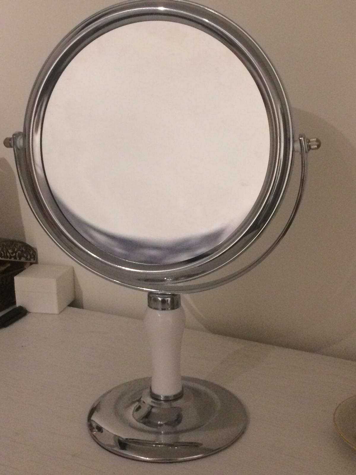 Round Mirror On Stand In N16 London For