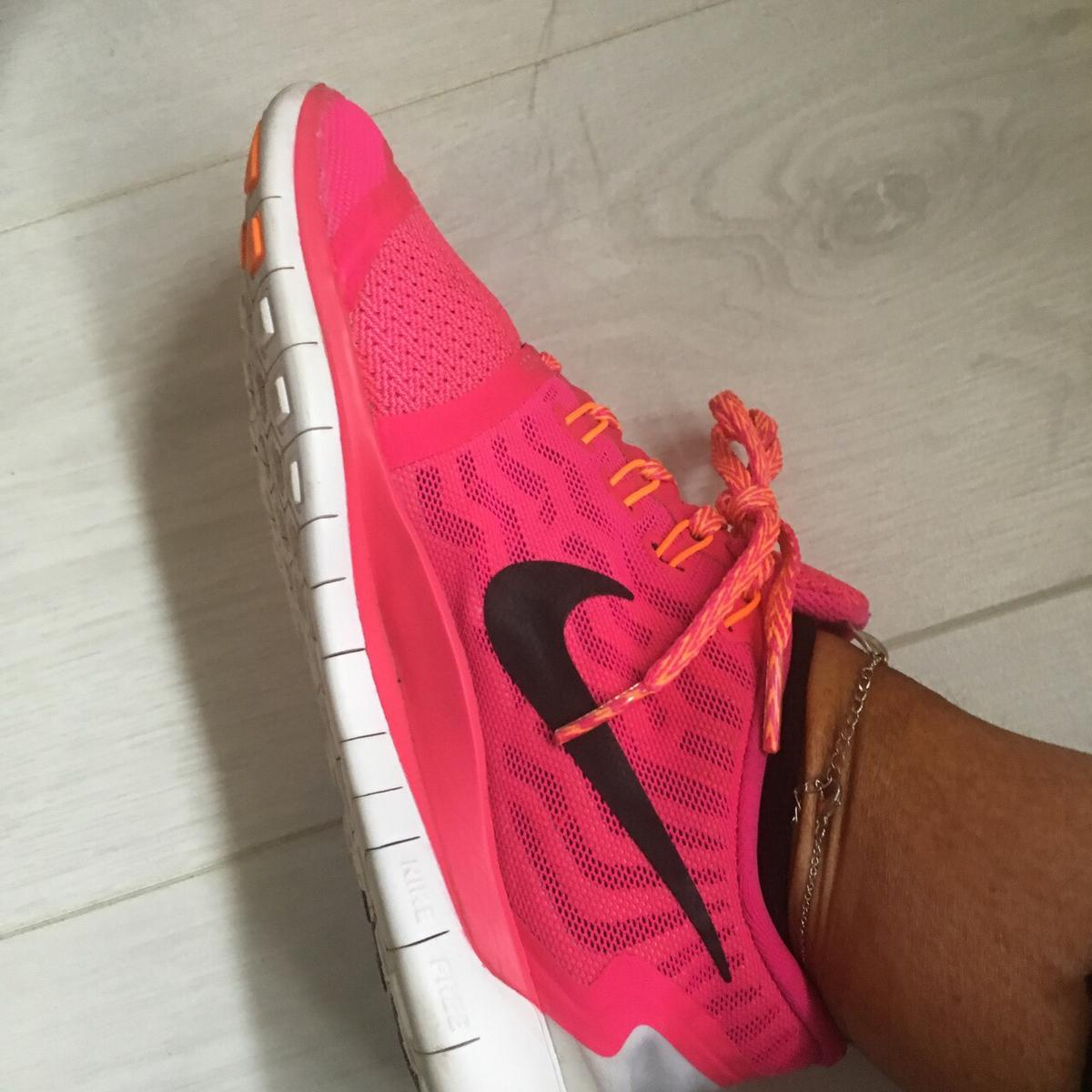 Women's Nike trainers in G74 Cambuslang for £25.00 for sale
