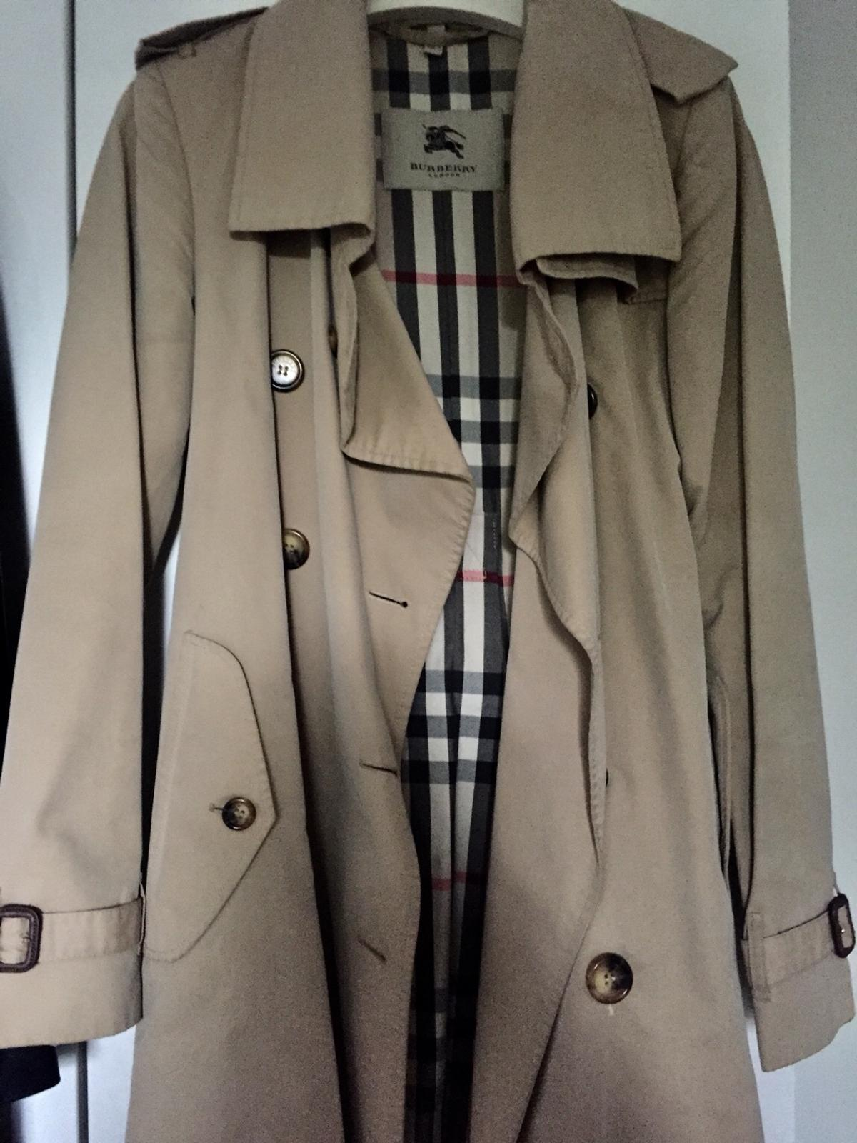 Beige Vintage Burberry trench coat