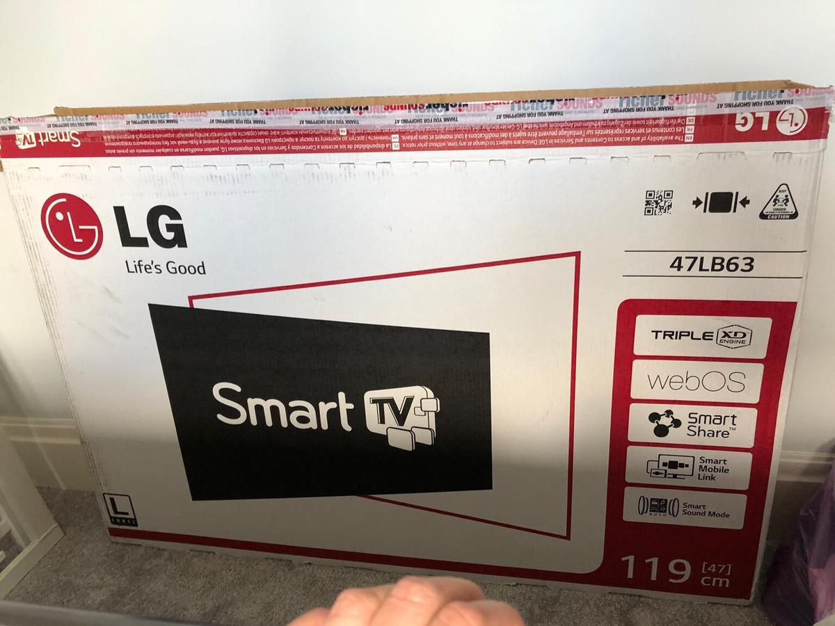 "LG 47"" Smart TV - Excellent Condition in Rossendale for £175 00 for"