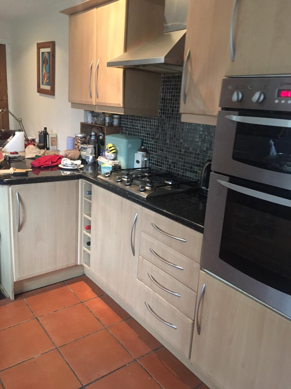 Used Kitchen Unit And Appliances For Sale In E7 London For 300 00 For Sale Shpock