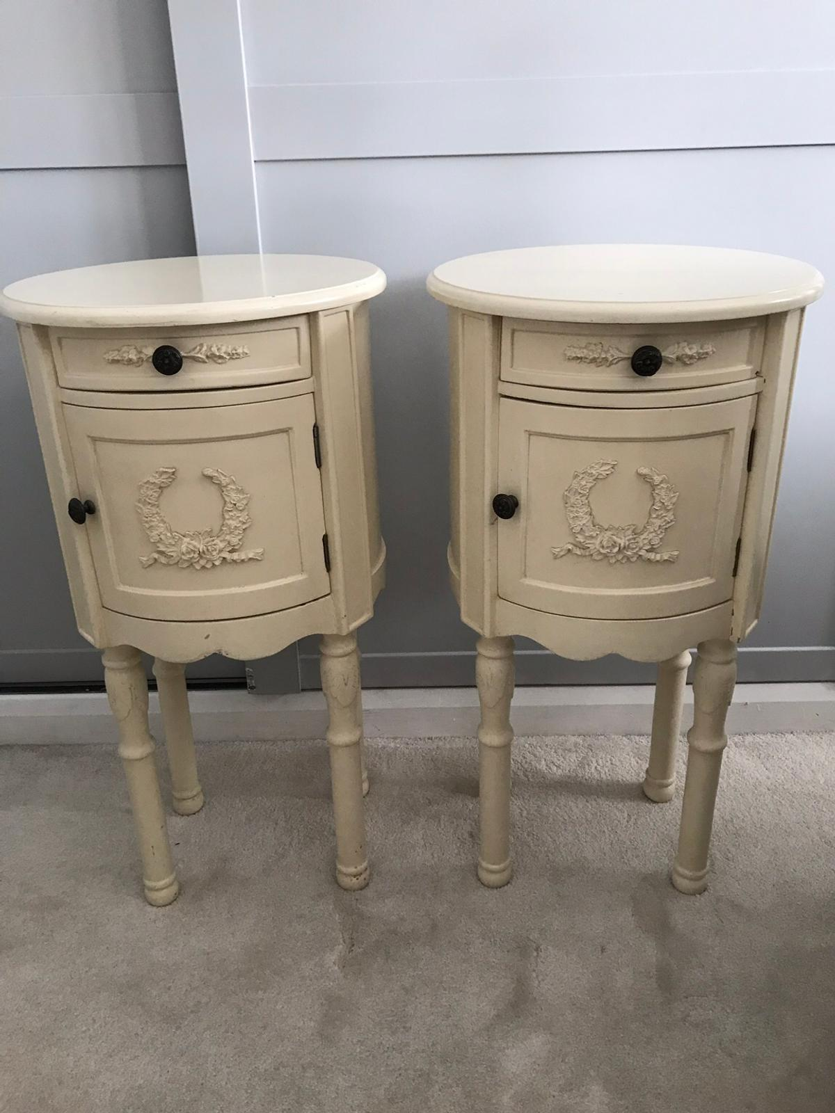 Picture of: Pair Of Cream Shabby Chic Bedside Tables In Rm11 Havering For 50 00 For Sale Shpock