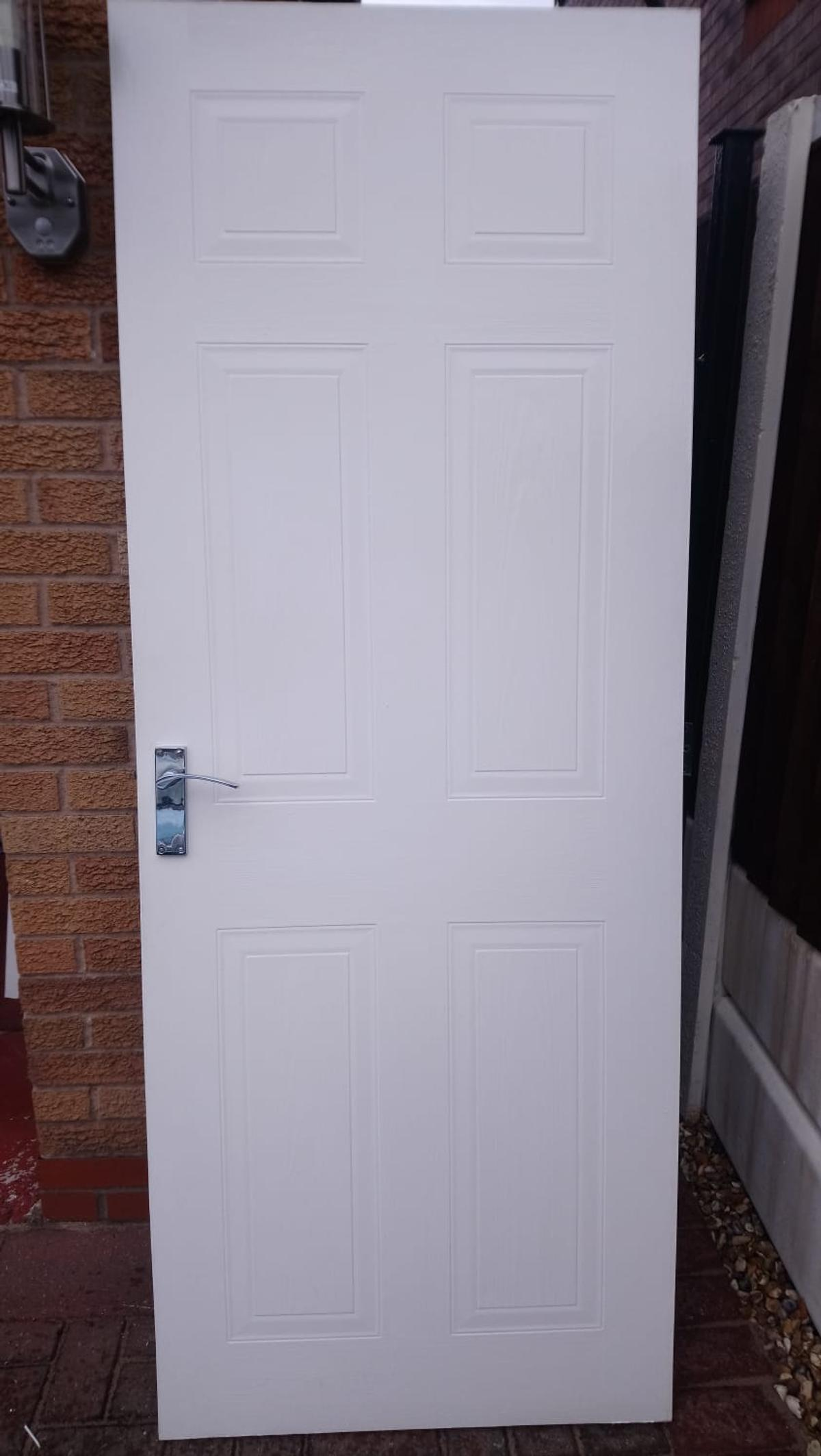 Interior Doors With Chrome Handles Hinges In Wigan For