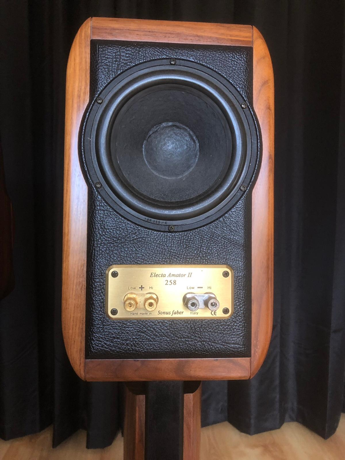 Sonus Faber Electa Amator II Speakers in HP12 Wycombe for