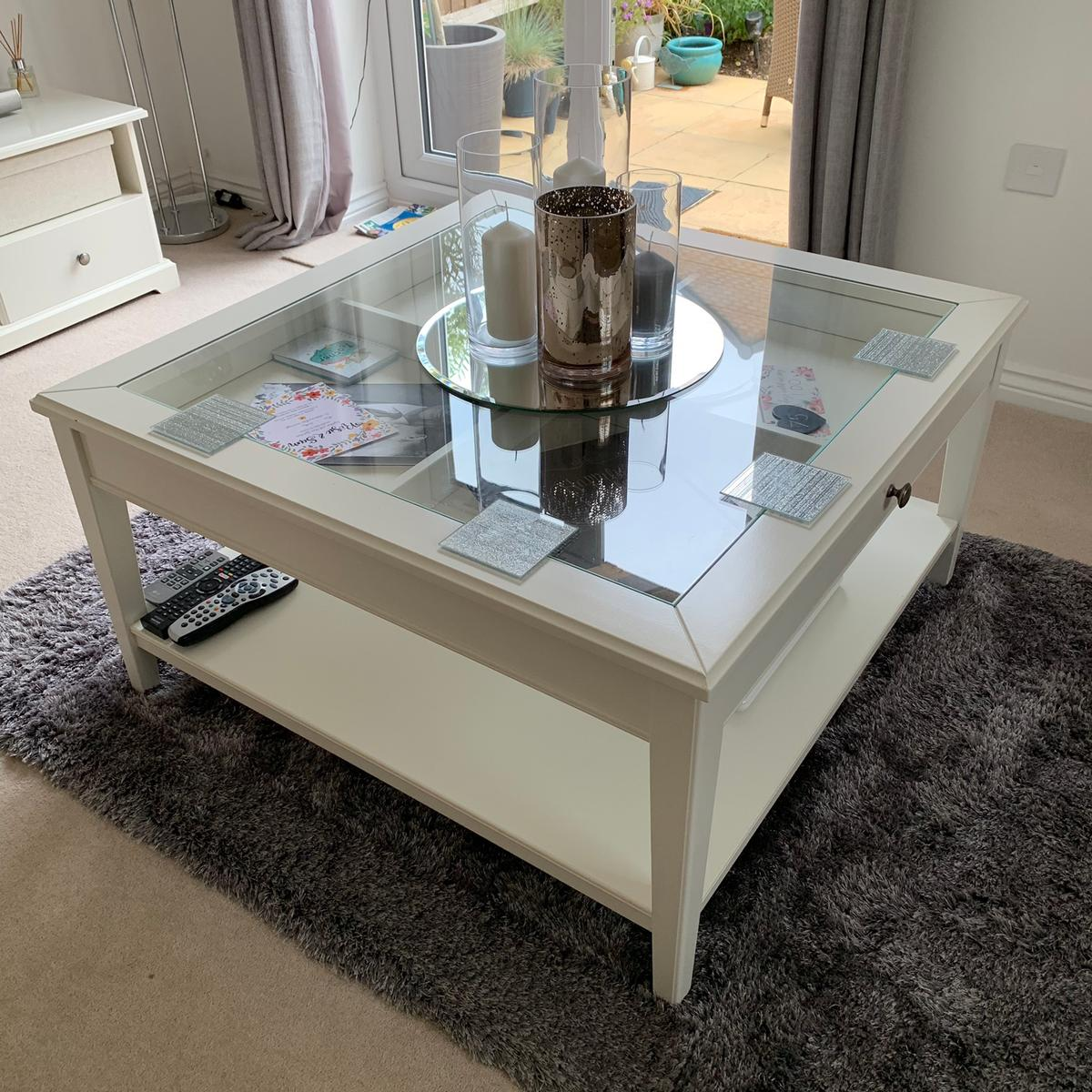Liatorp Side Table.Ikea Liatorp Coffee Table White Glass