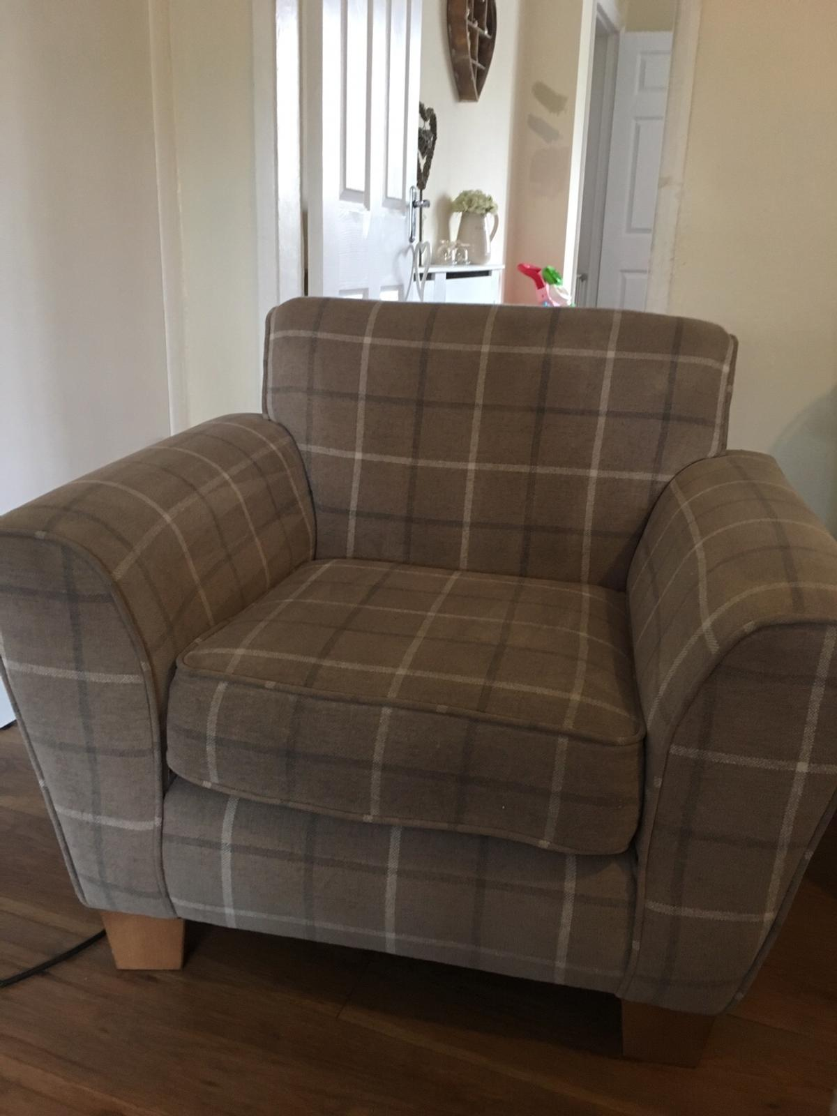 3 Seater Sofa Chair In Ws10 Walsall