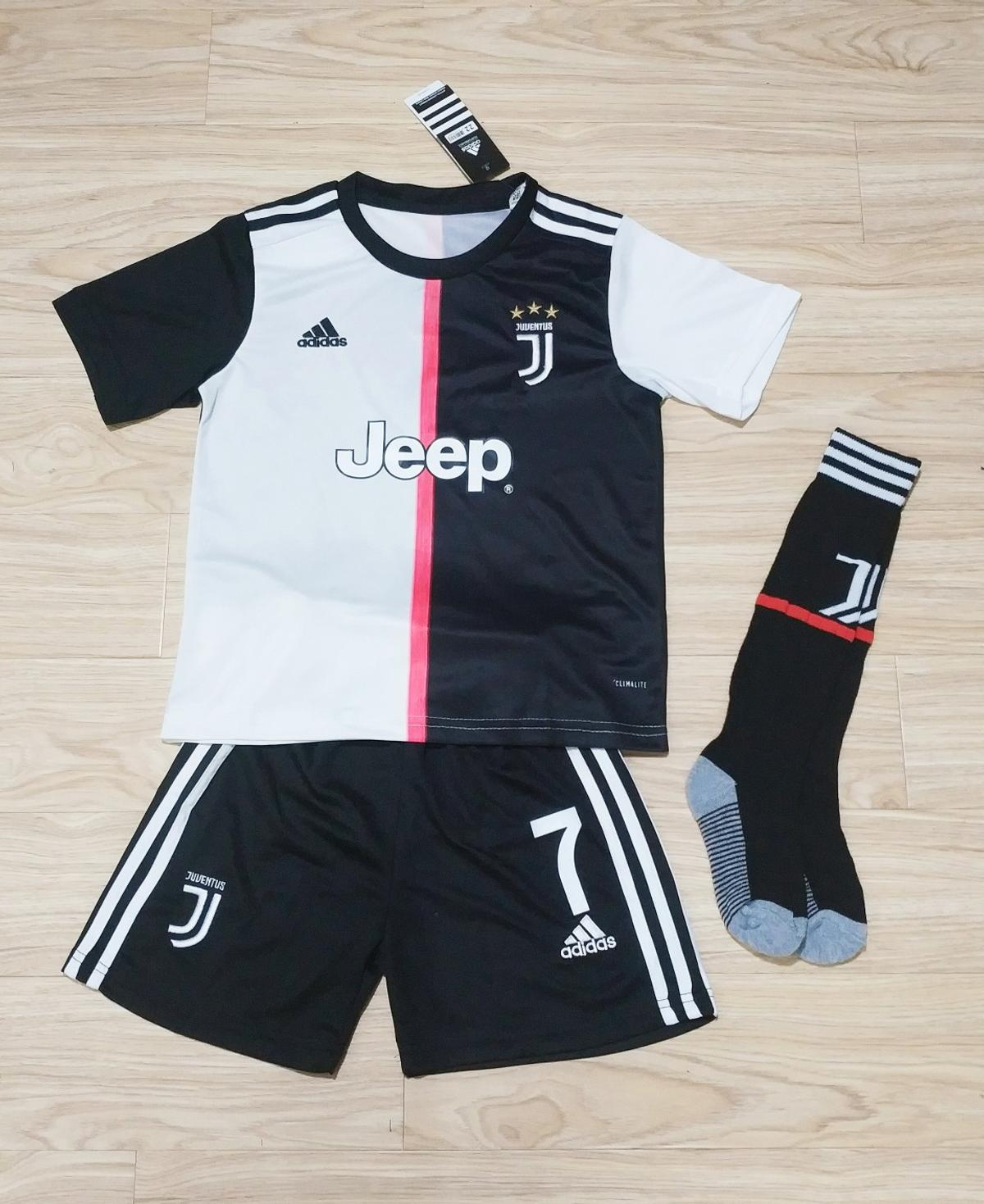 buy online 17374 6bece Kids Juventus Football Kit Ronaldo Shirt
