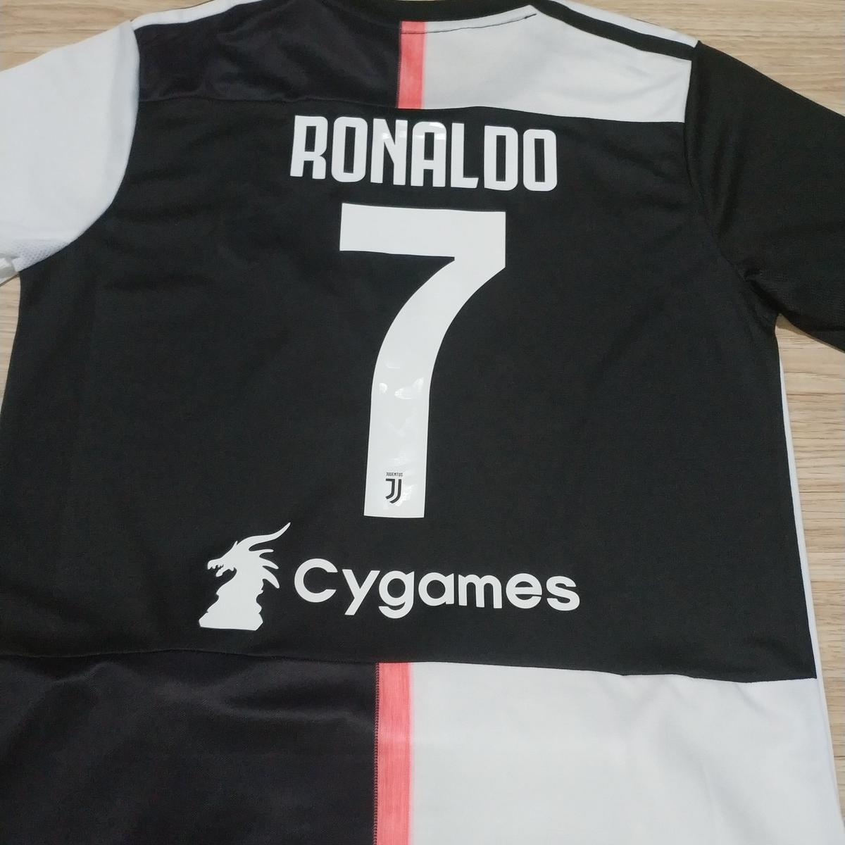 buy online a97b2 06003 Kids Juventus Football Kit Ronaldo Shirt