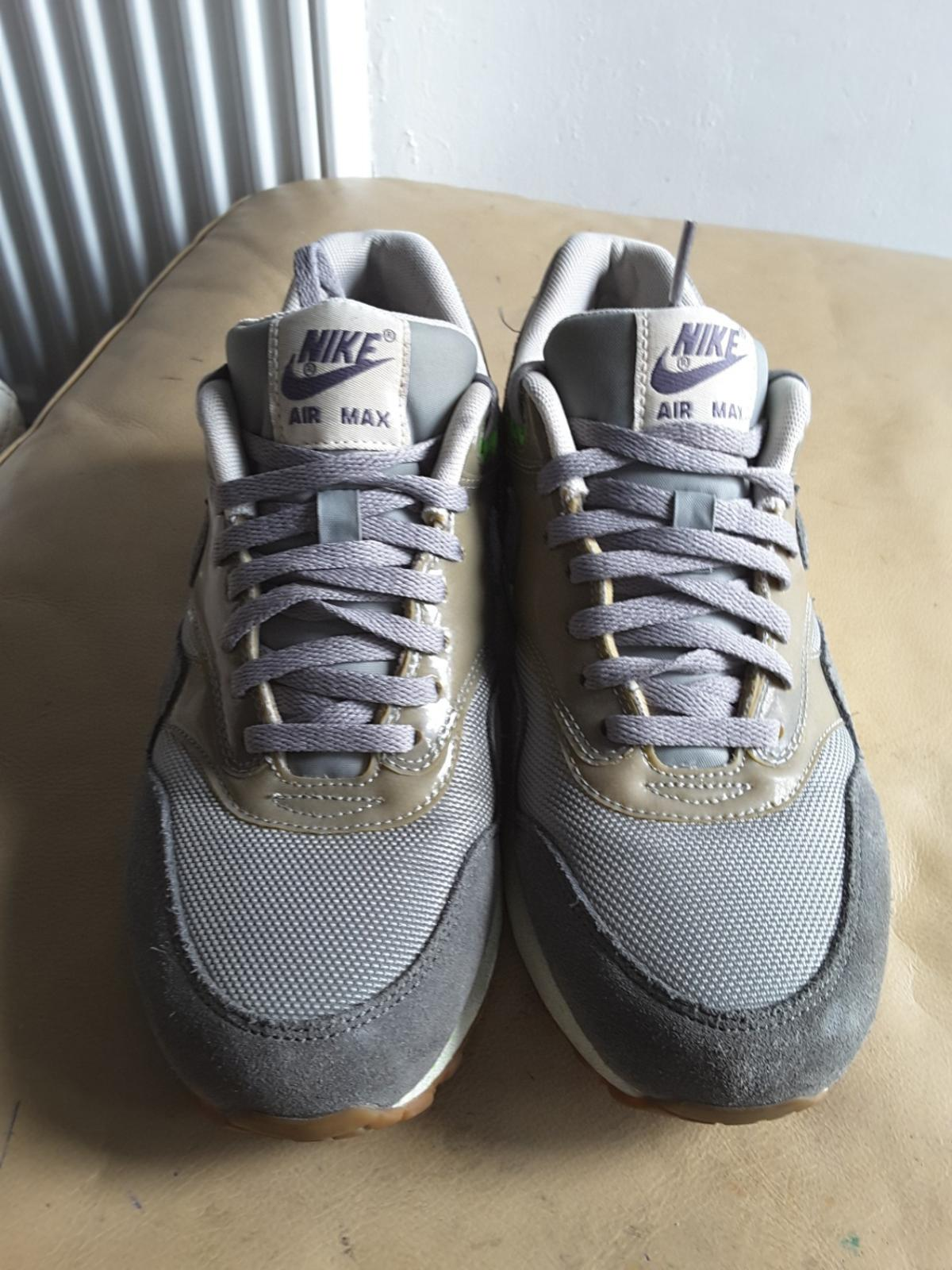 WOMENS NIKE AIR MAX 1 ESSENTIAL TRAINERS UK 5 in SW9 Lambeth