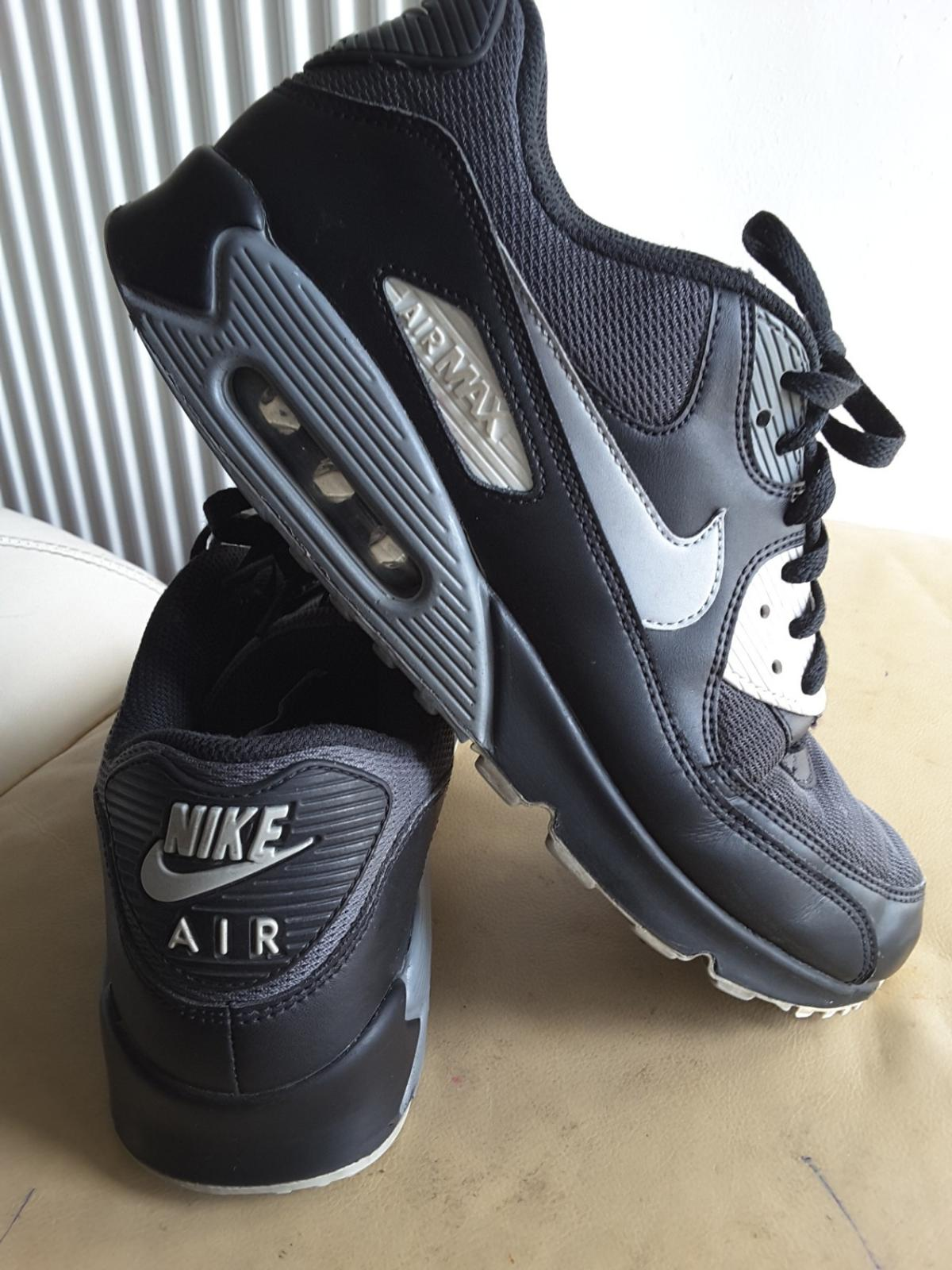 Air Max 90 Trainers. Nike GB