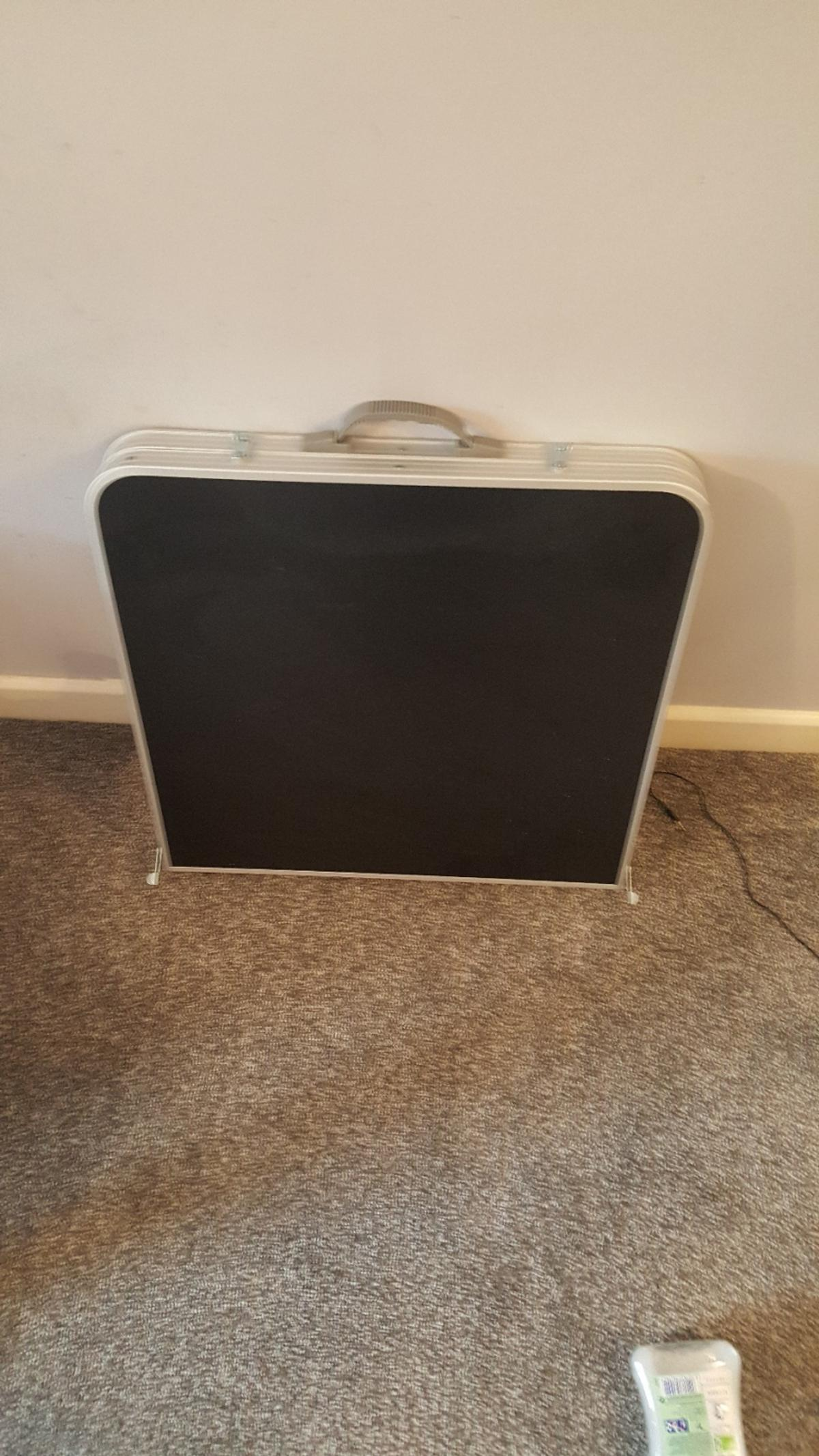 Fold Up Table Argos In Batley For 7 50 For Sale Shpock