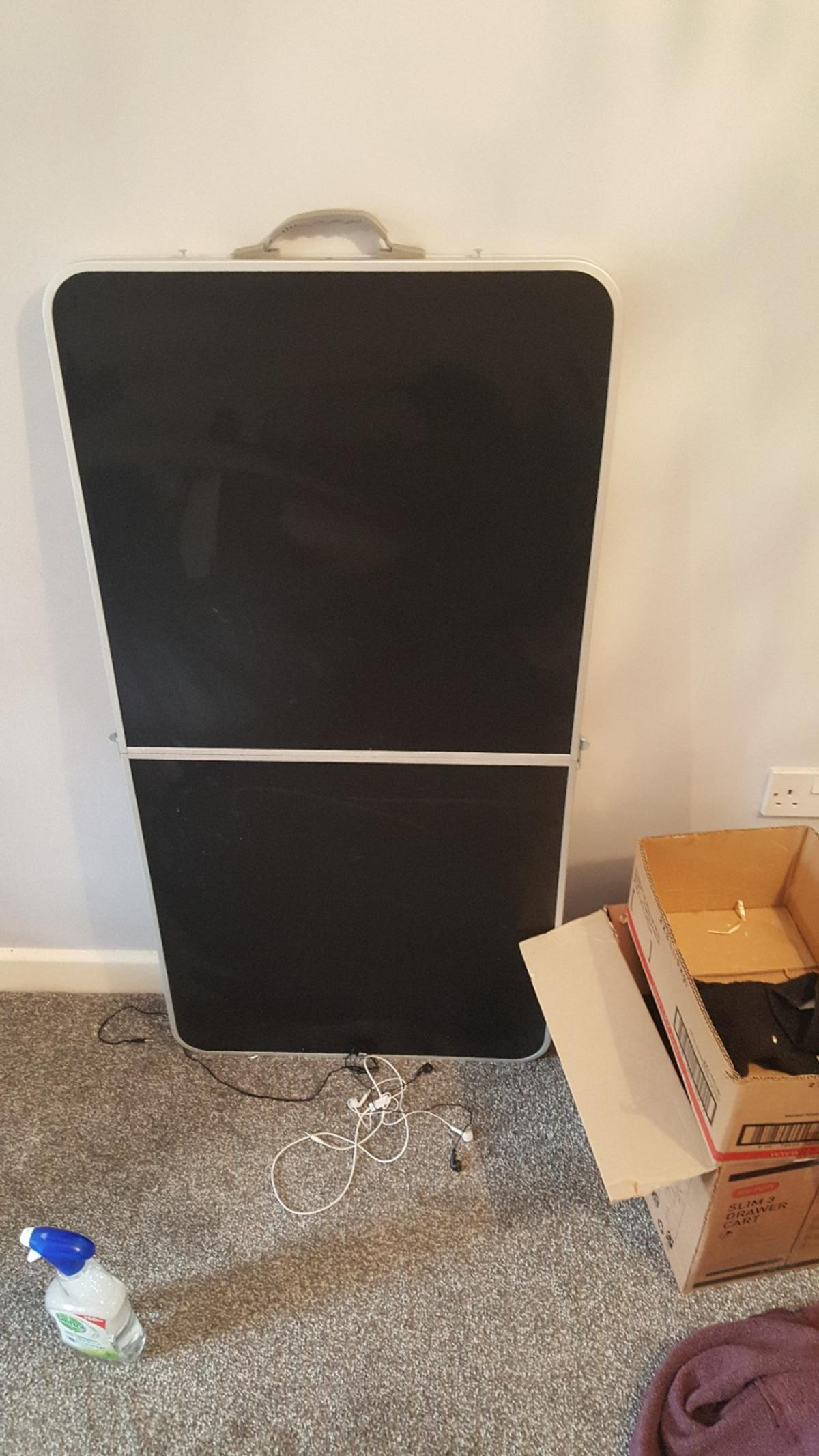 Picture of: Fold Up Table Argos In Batley For 7 50 For Sale Shpock