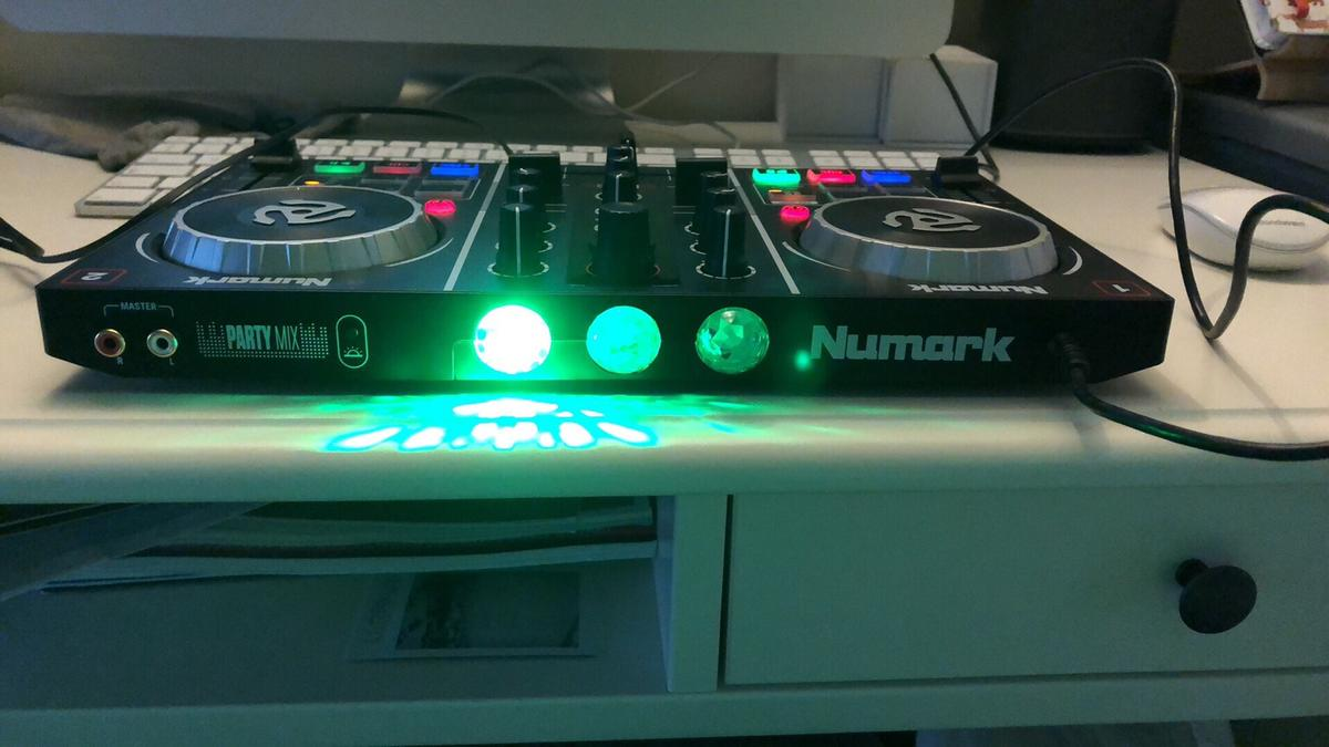 Numark Party Mix DJ controller and software in CM8 Braintree