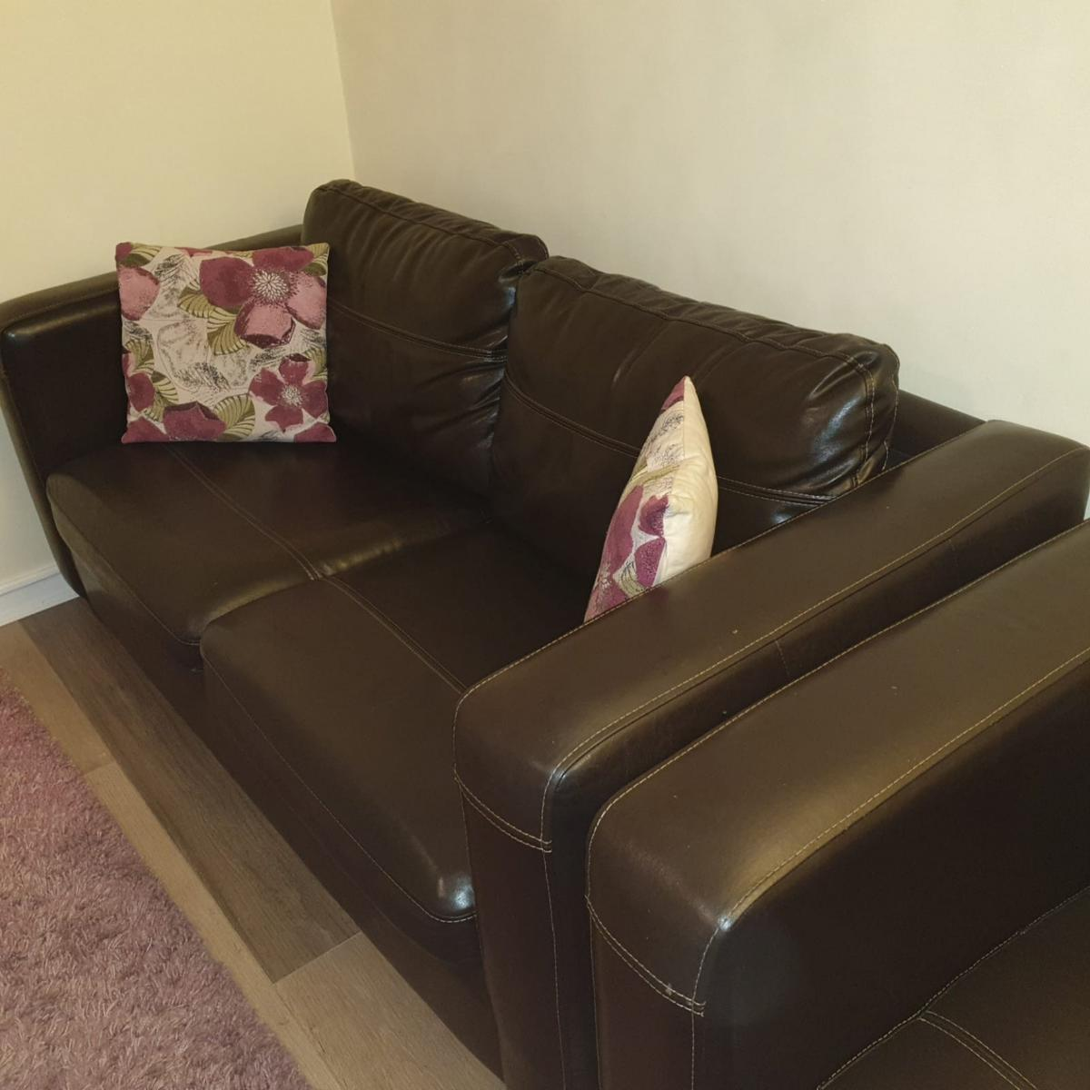 Chocolate Brown Leather Sofas In E3 London For 325 00