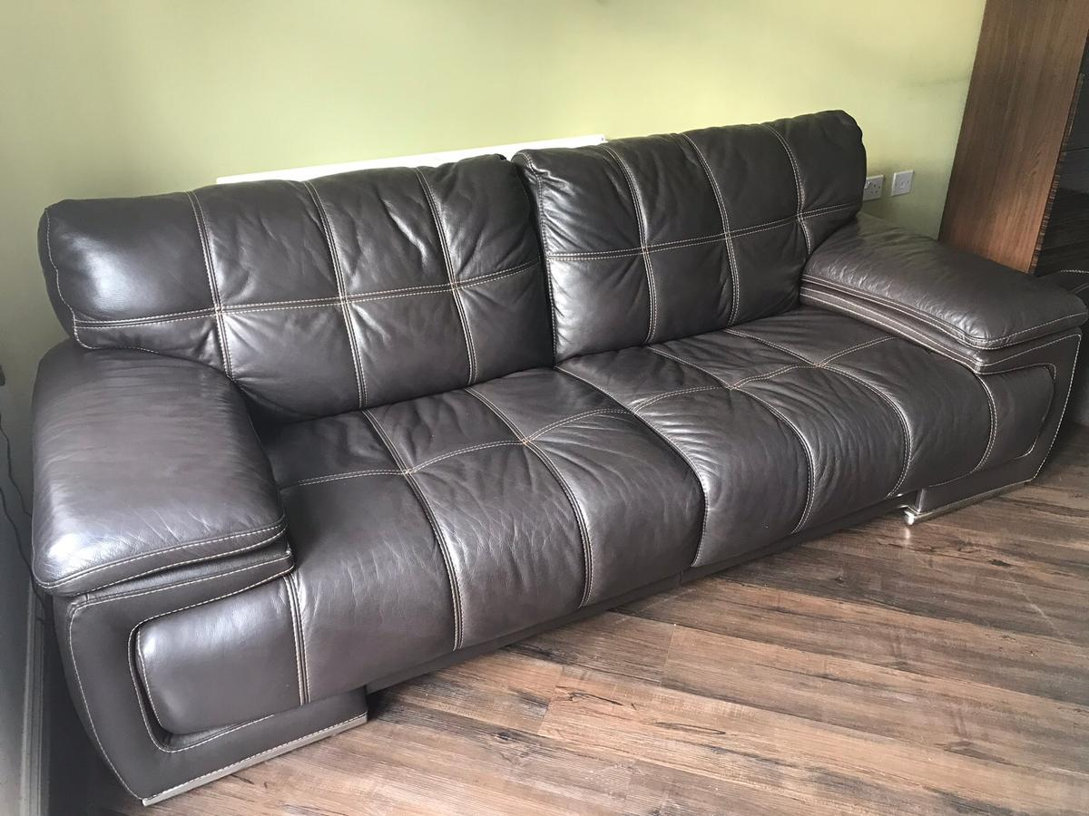 Terrific Leather 4 Seater Sofa With Matching Poof Uwap Interior Chair Design Uwaporg