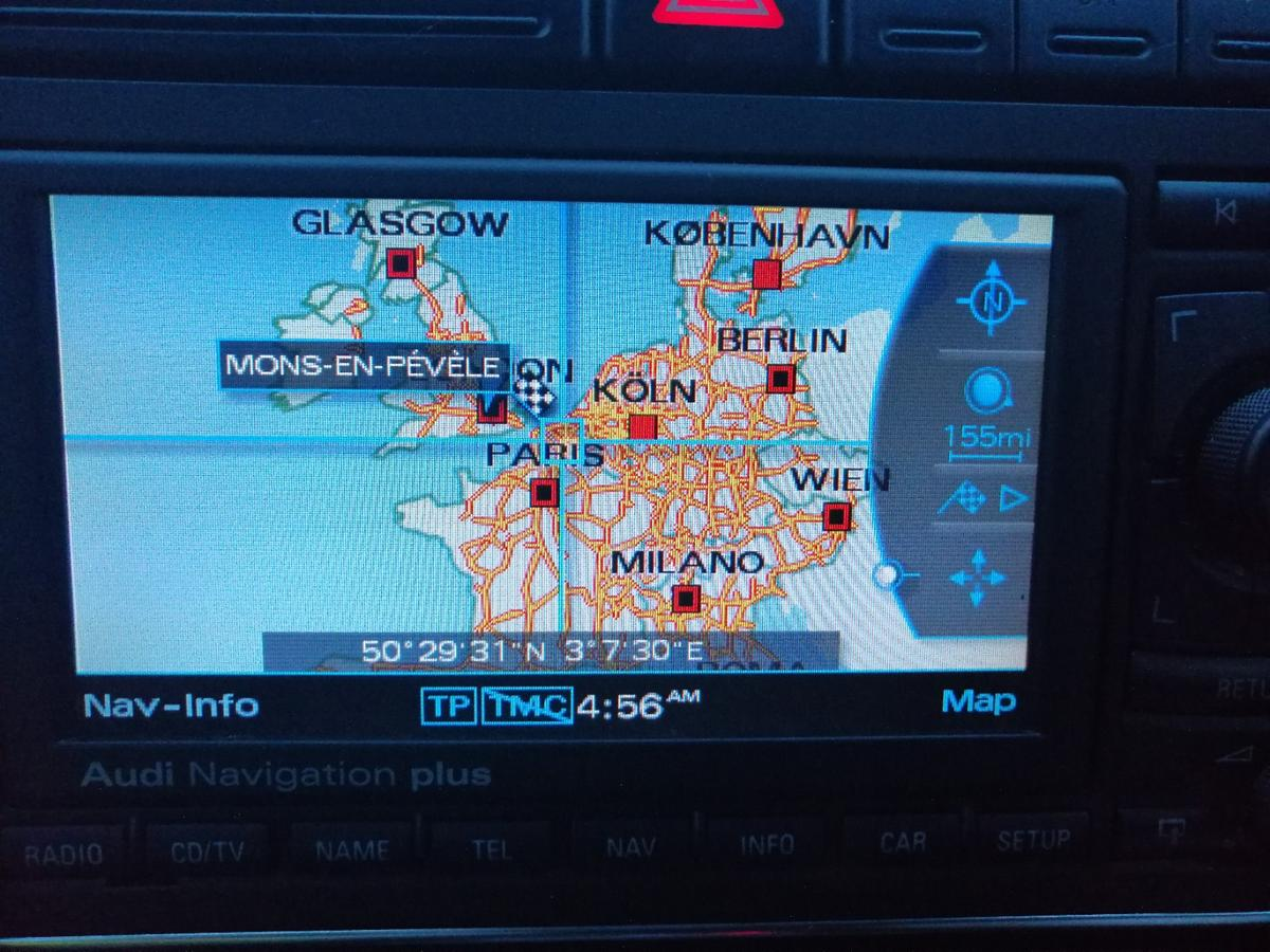 RNS-E NAVIGATION PLUS and 6 cd multi changer in TW17