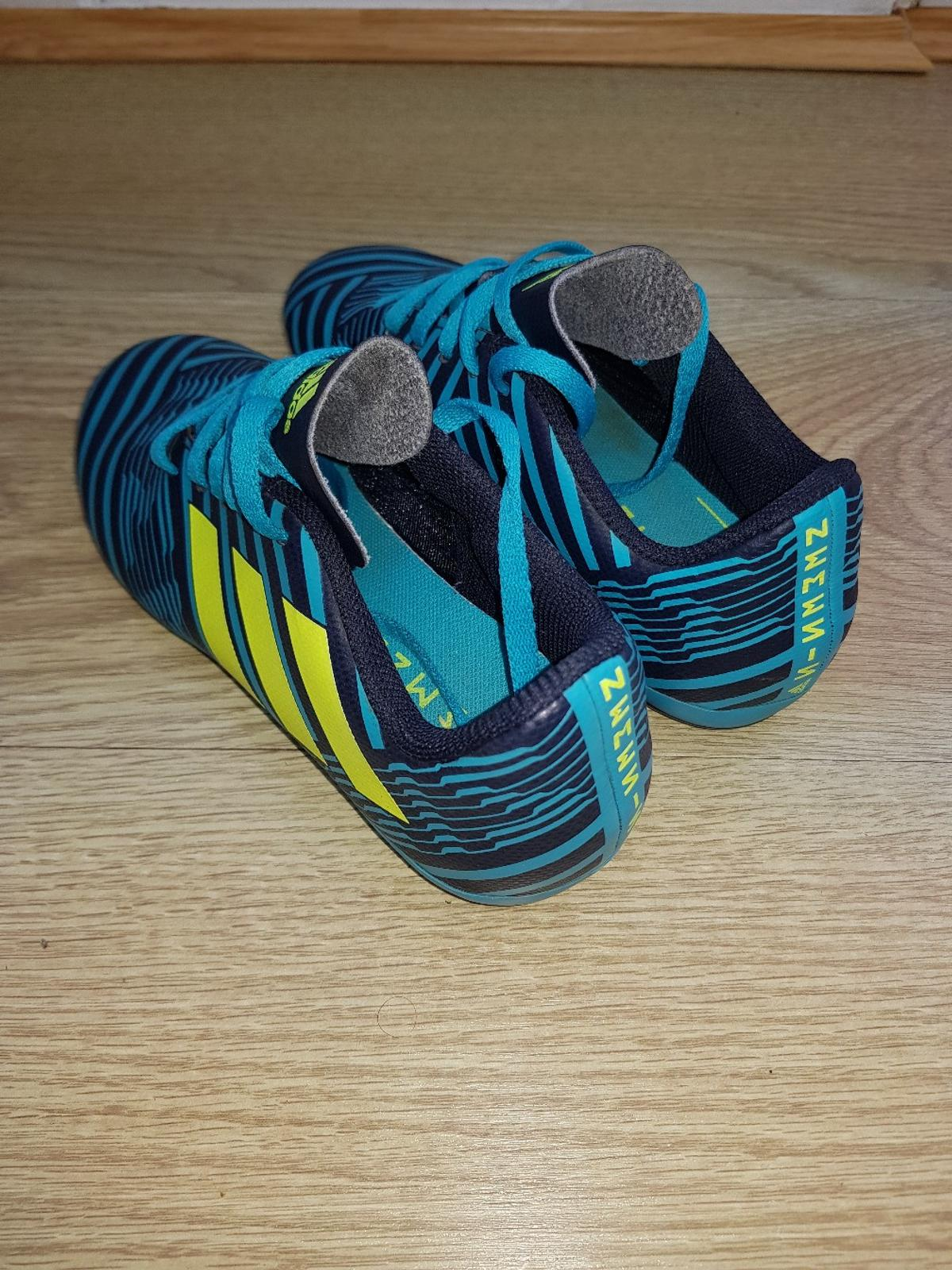 new arrive on feet at sale Kids Football trainers size 1