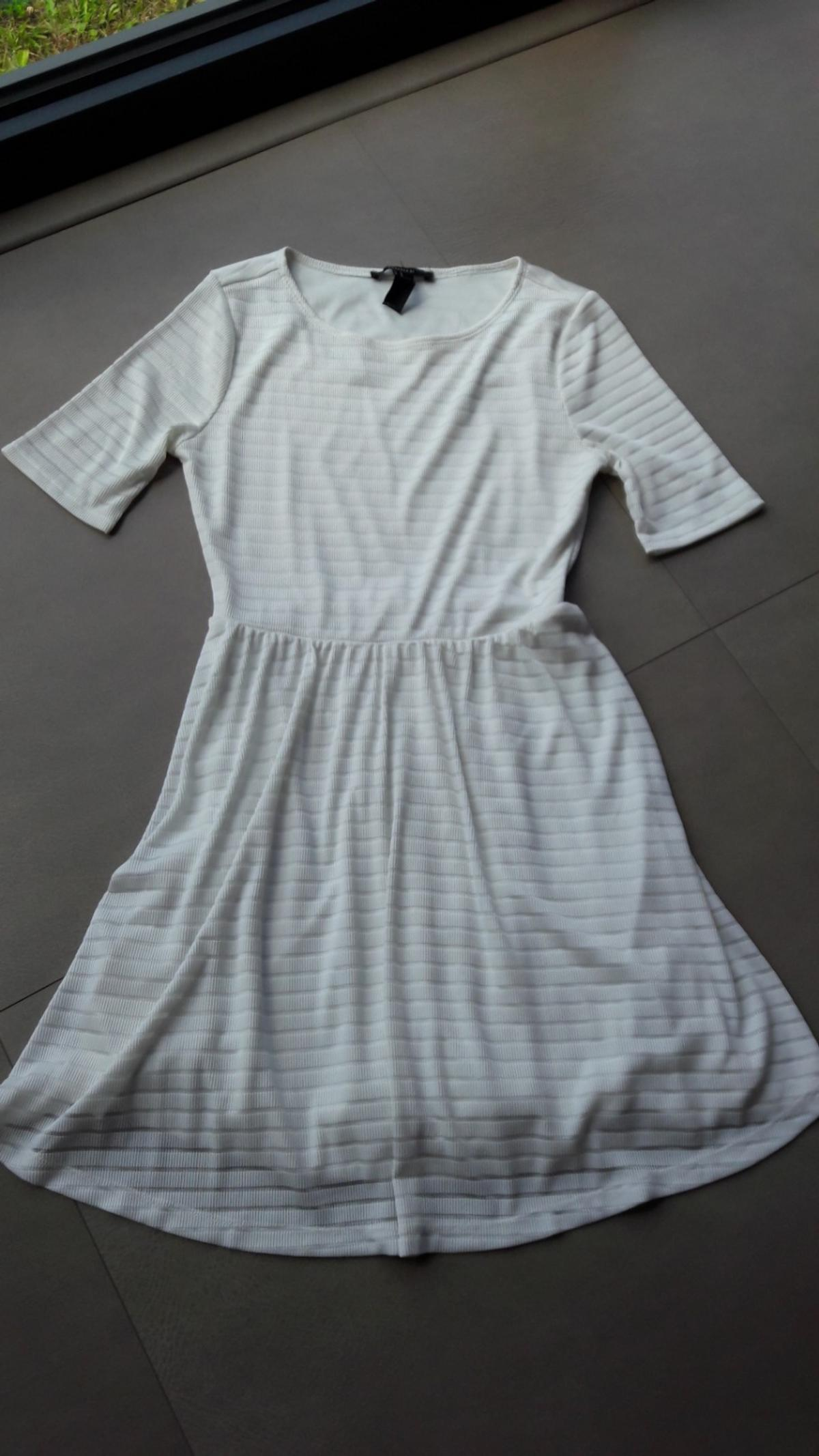 Size M lined dress ribbed pattern