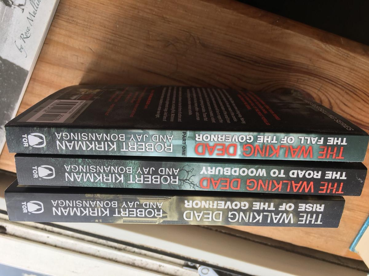 3 The Walking Dead books, brand new. Collection or additional for postage