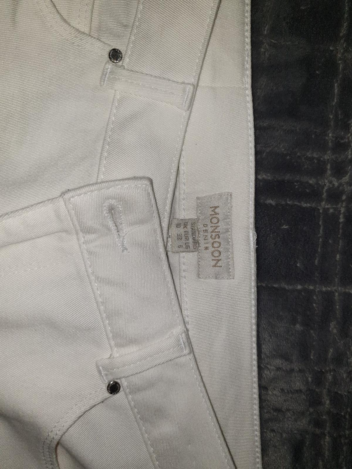 excellent condition no marks,  no stains collection only from Ha1