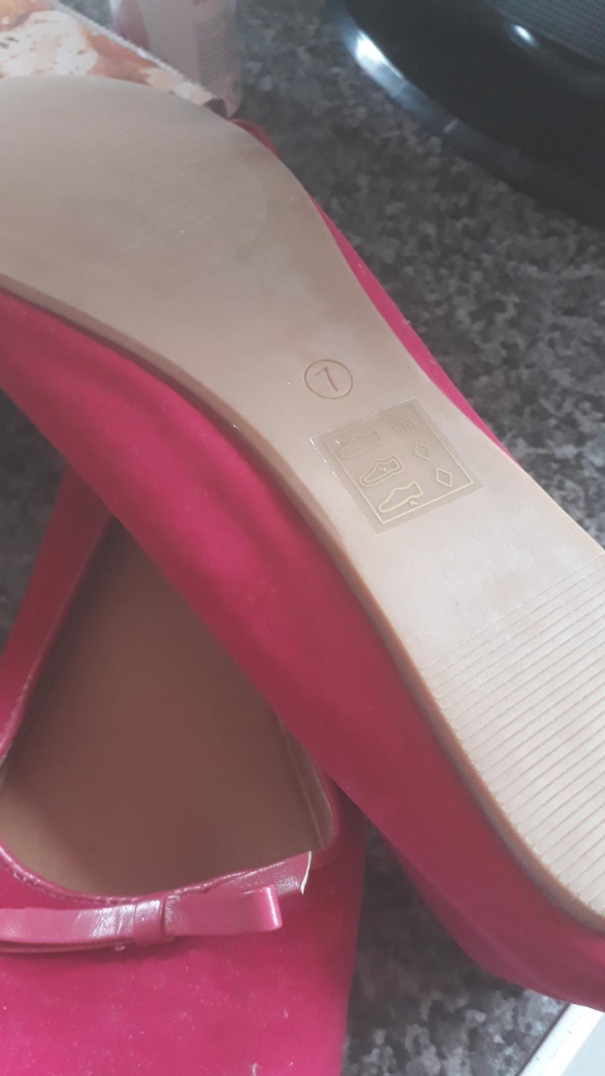 pink shoes worn once fabulous condition size 7