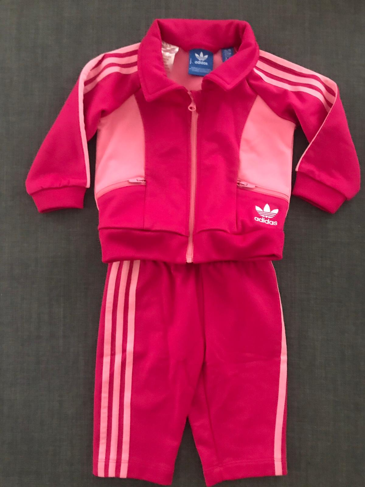 anchura Mancha pakistaní  Baby girl Adidas tracksuit in LS9 Leeds for £10.00 for sale | Shpock