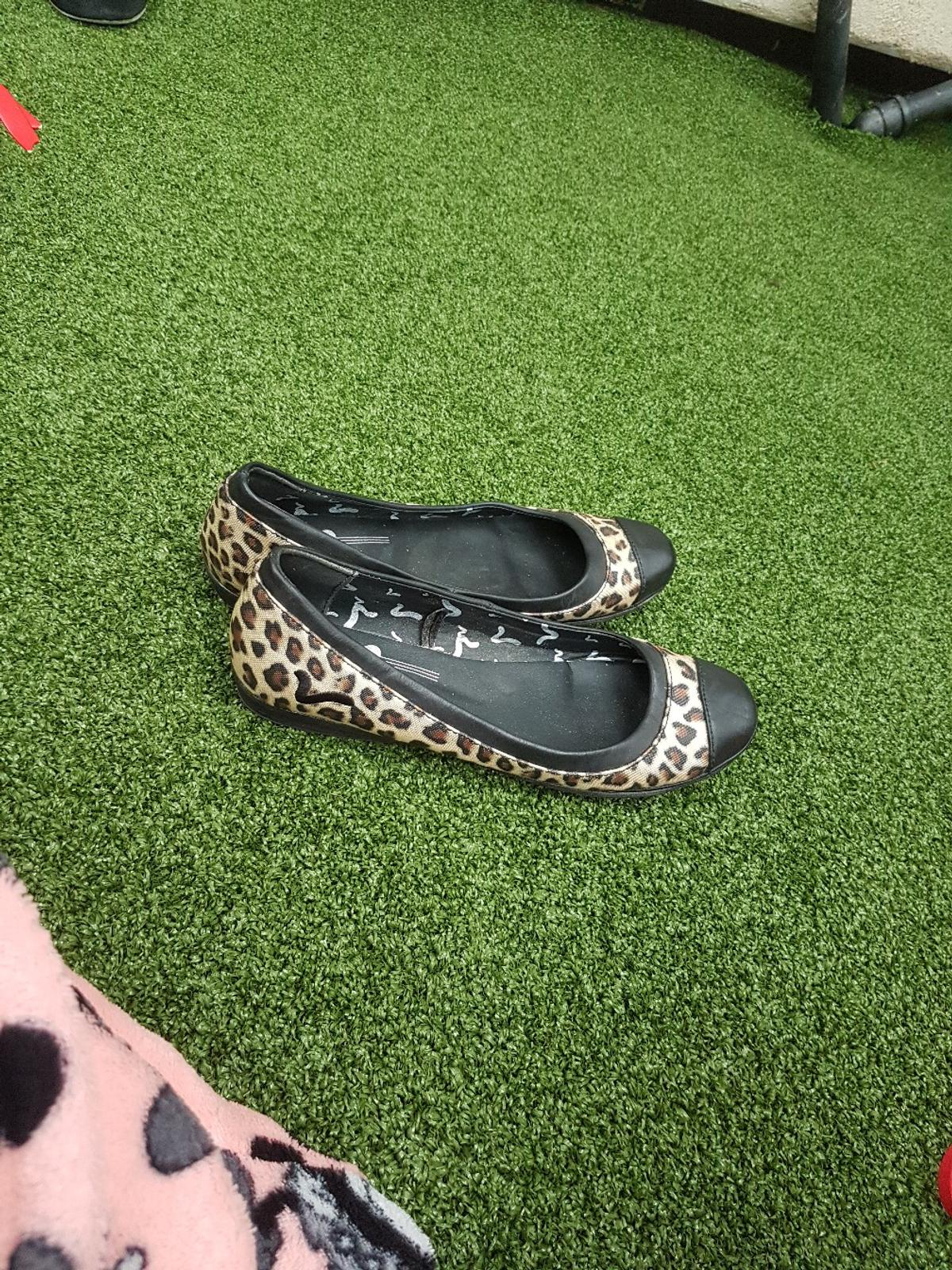size 4 used but in good condition