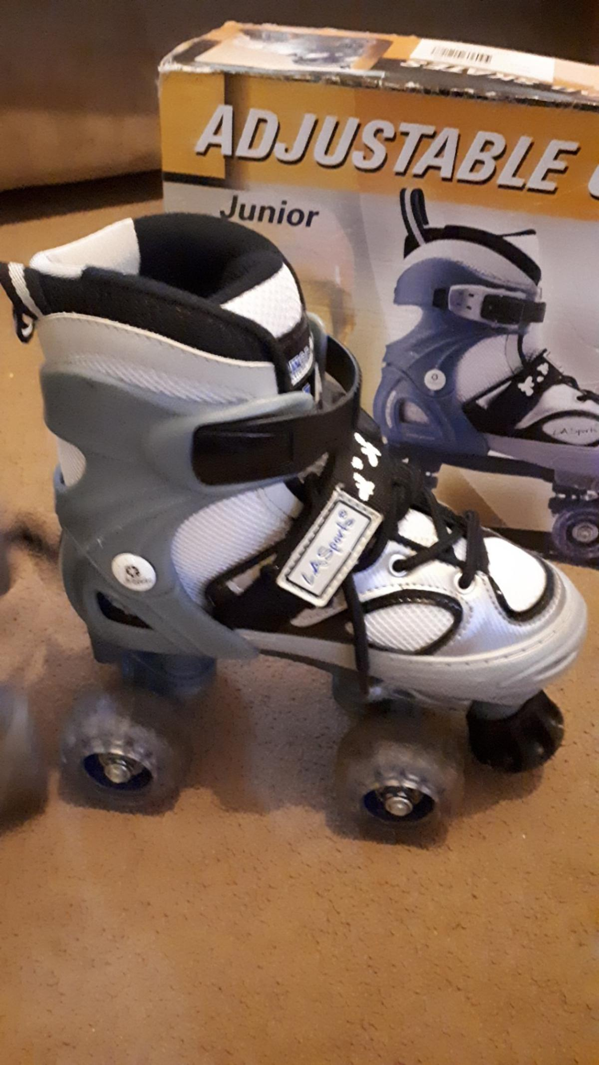 Size 29 - 32 UK 11-1 Excellent condition slight wear on wheels from very little use. origional box (bit bashed )