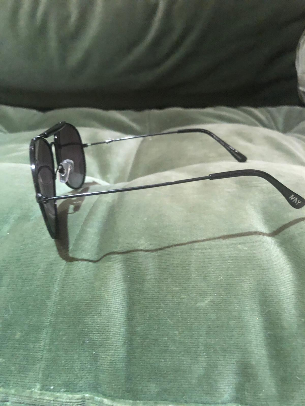I am selling a new original glasses used only once