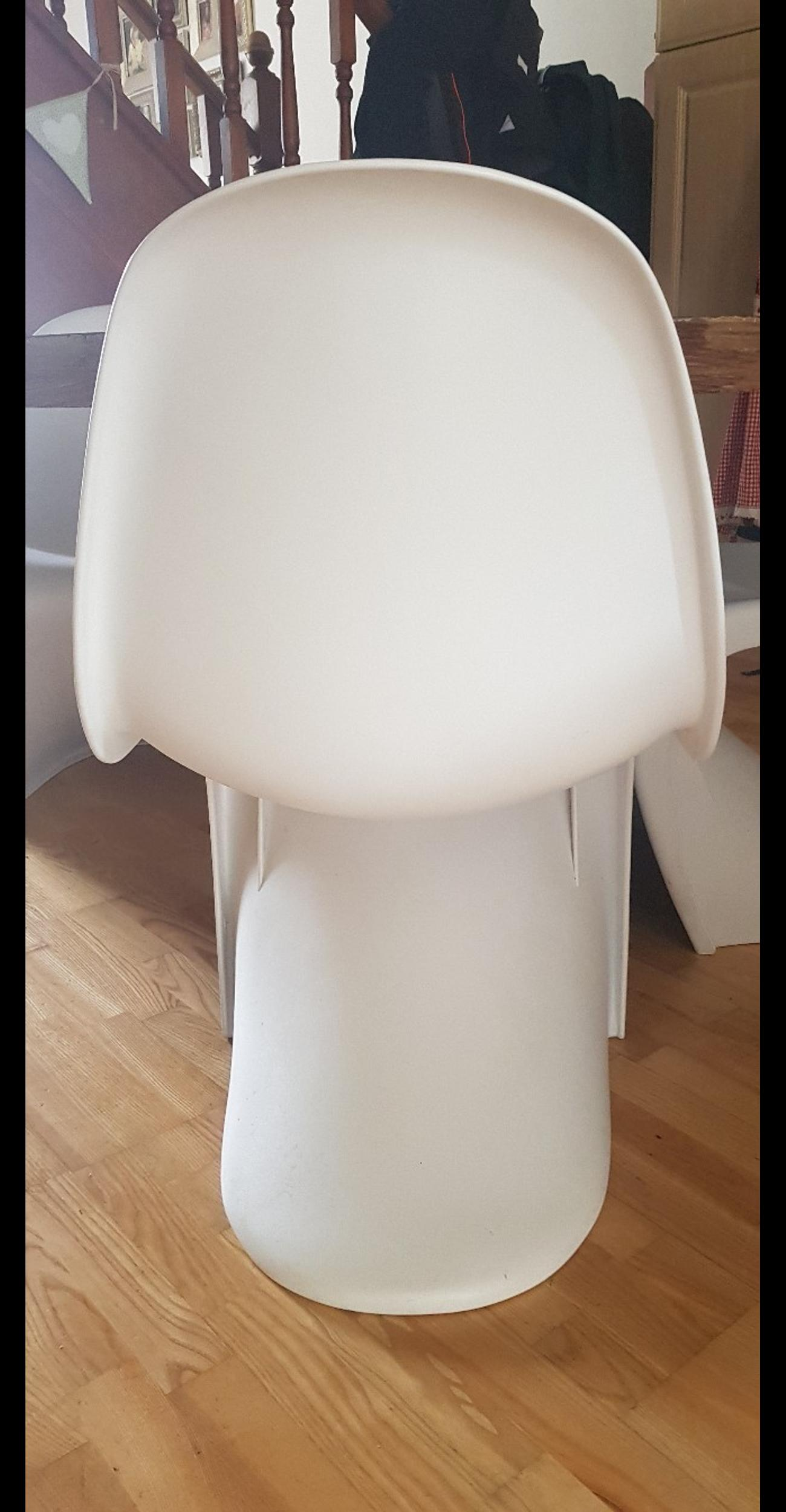 Bespoke solidwood Round dining table 4 chairs