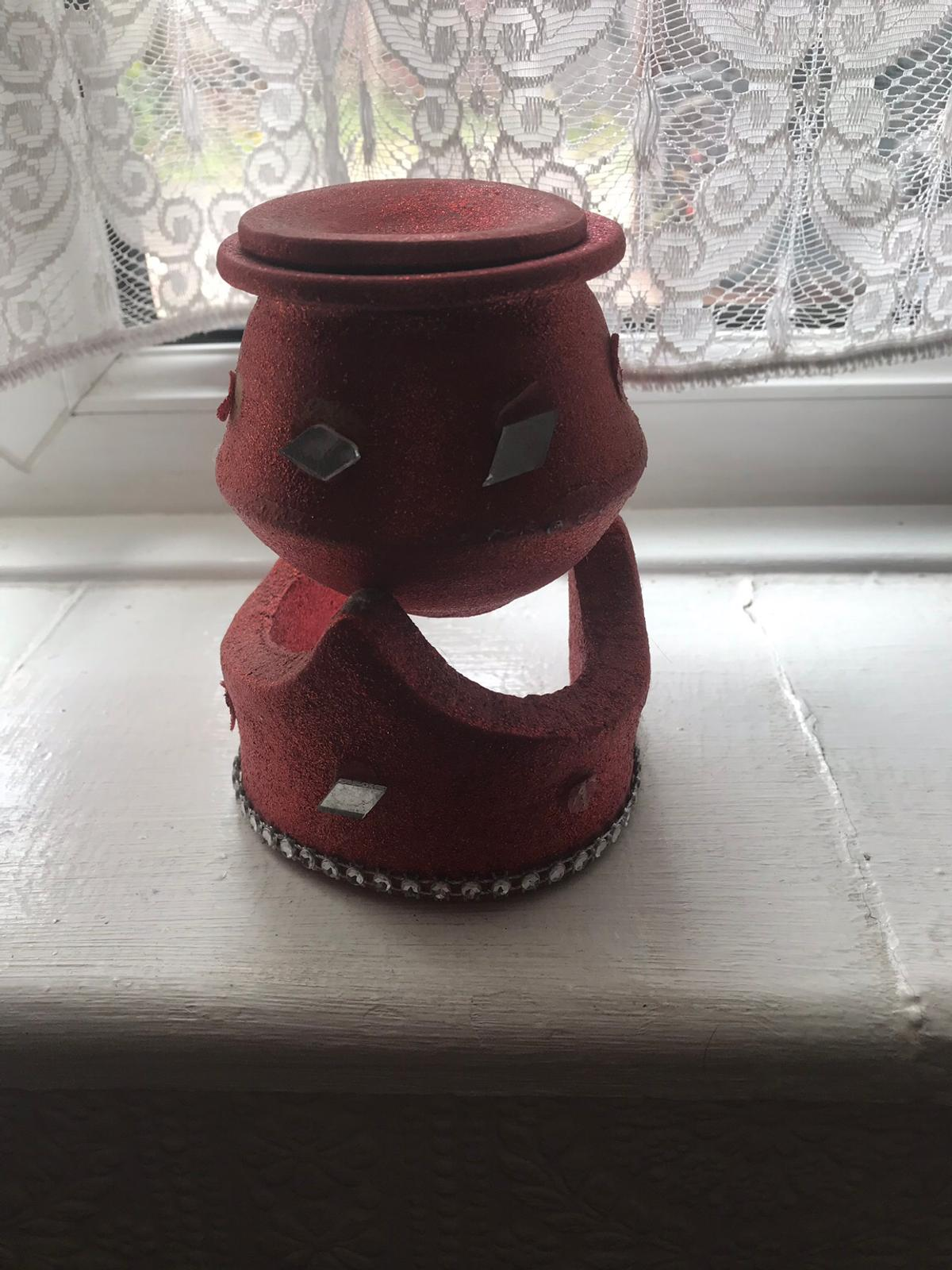 Beautiful red small clay decoration pot with lid and stand in great condition
