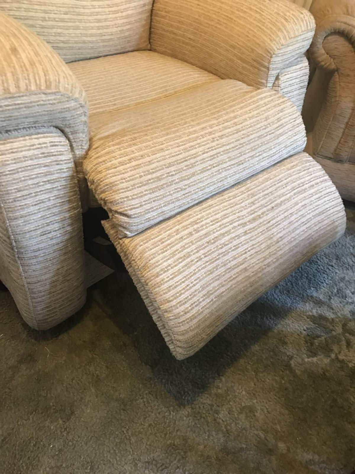 DFS Newbury Rise Electric Recliner Chair in Knowsley for