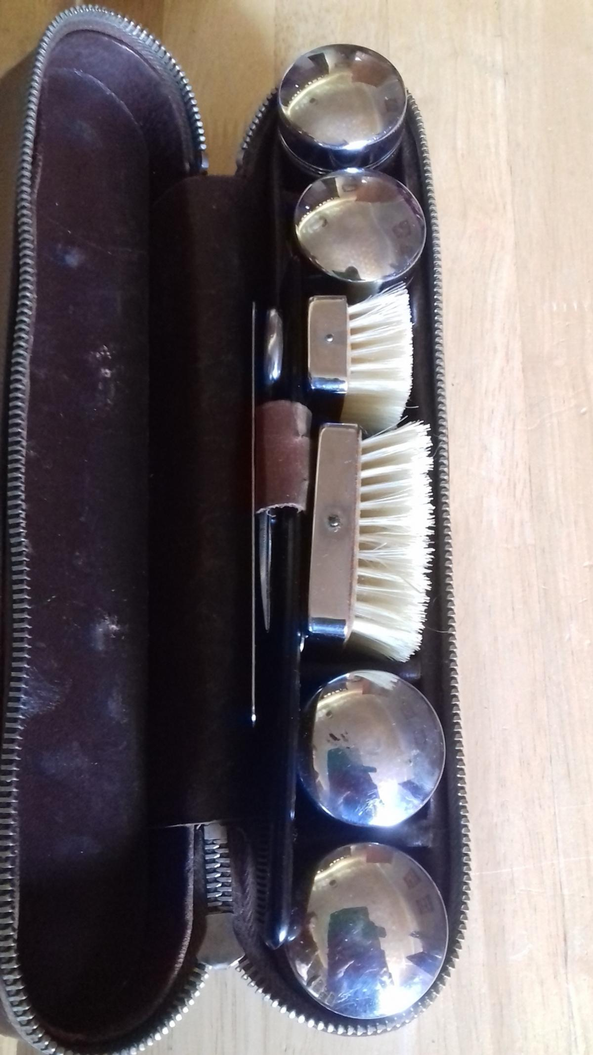 Vintage Gents Grooming Kit in Leather Case