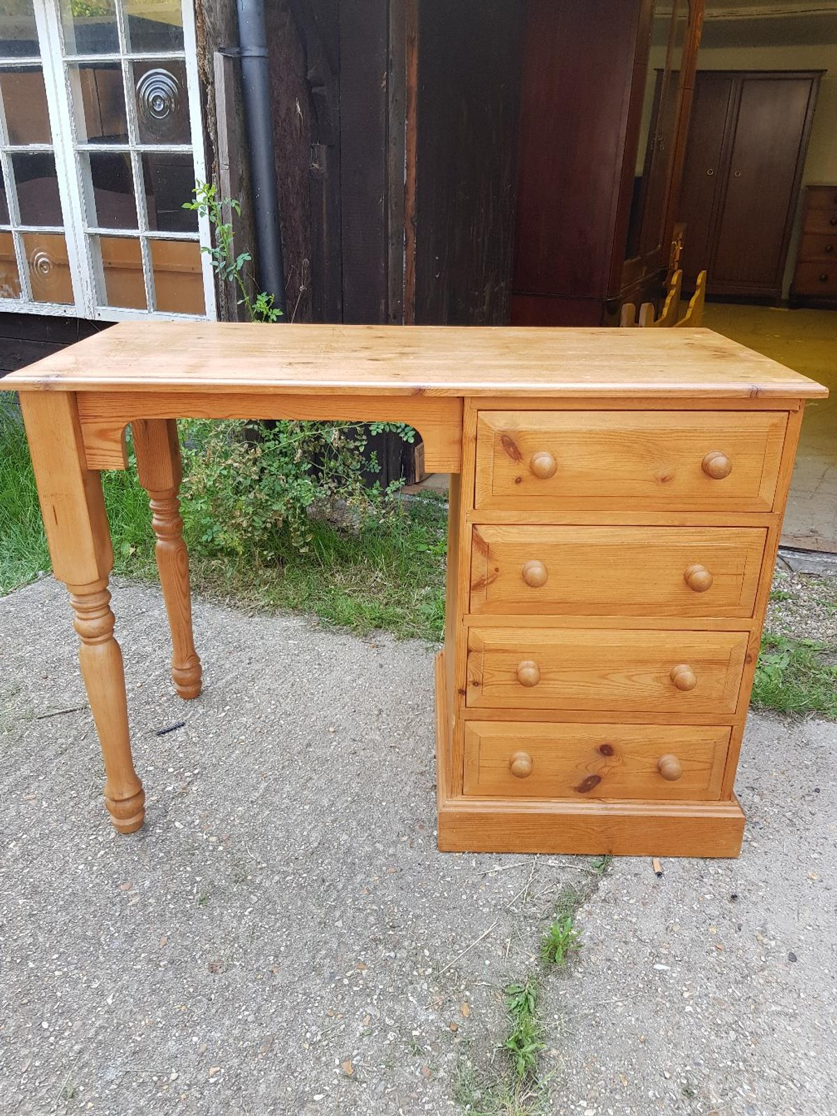 Solid Pine Desk In Eastleigh For 95