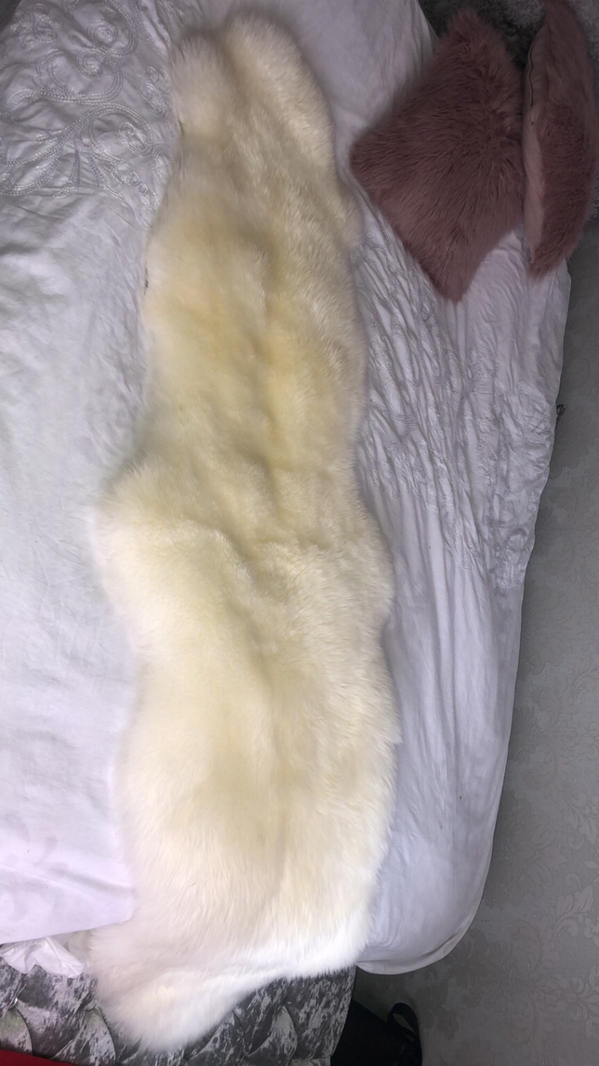 Dunelm Double Pelt Sheepskin Rug In Lu1